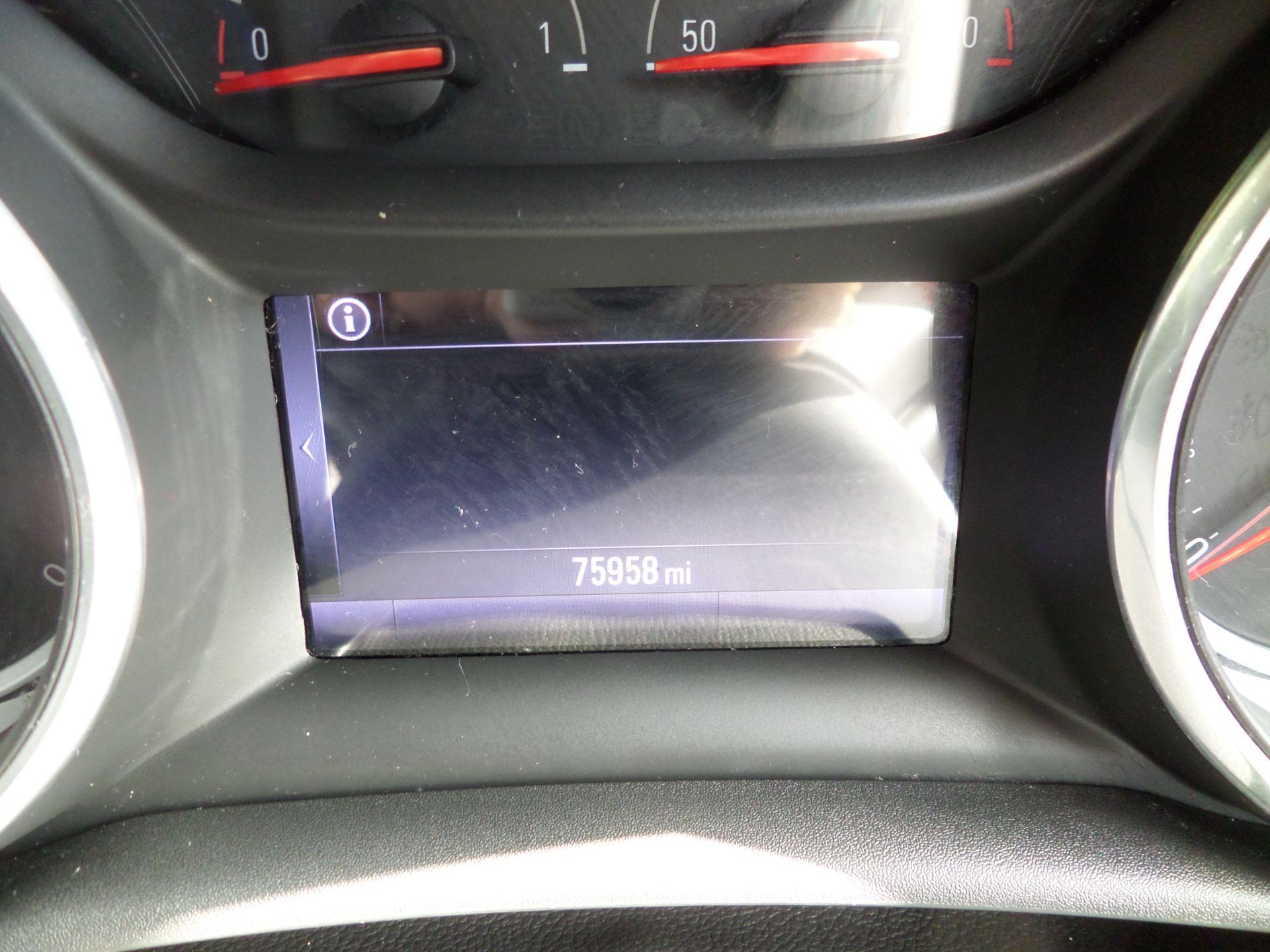 2018 Vauxhall Astra 1.6 Cdti 16V 136 Sri Nav 5Dr Euro 6 (DP18VCN) Image 15