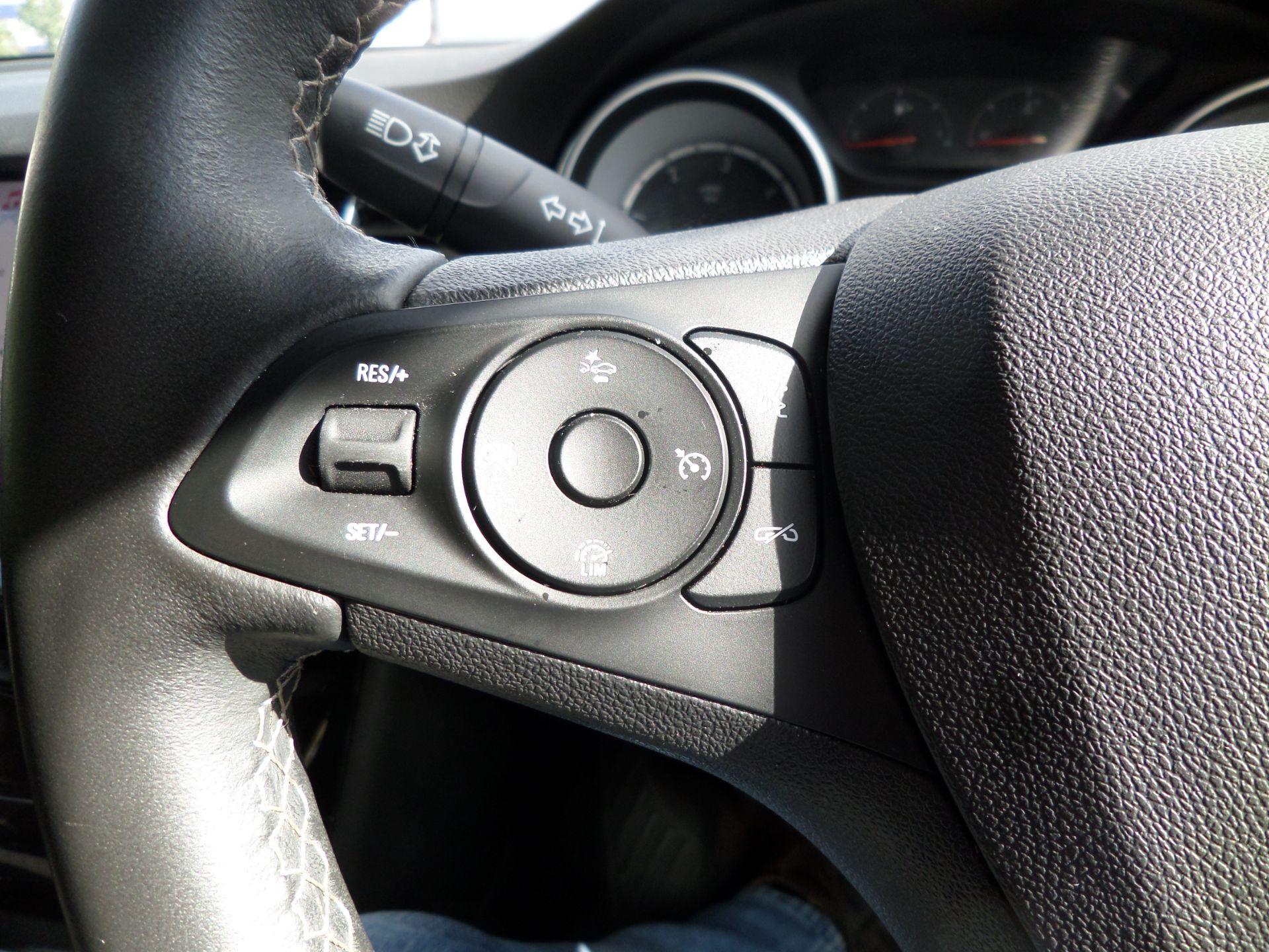 2018 Vauxhall Astra 1.6 Cdti 16V 136 Sri Nav 5Dr Euro 6 (DP18VCN) Image 16