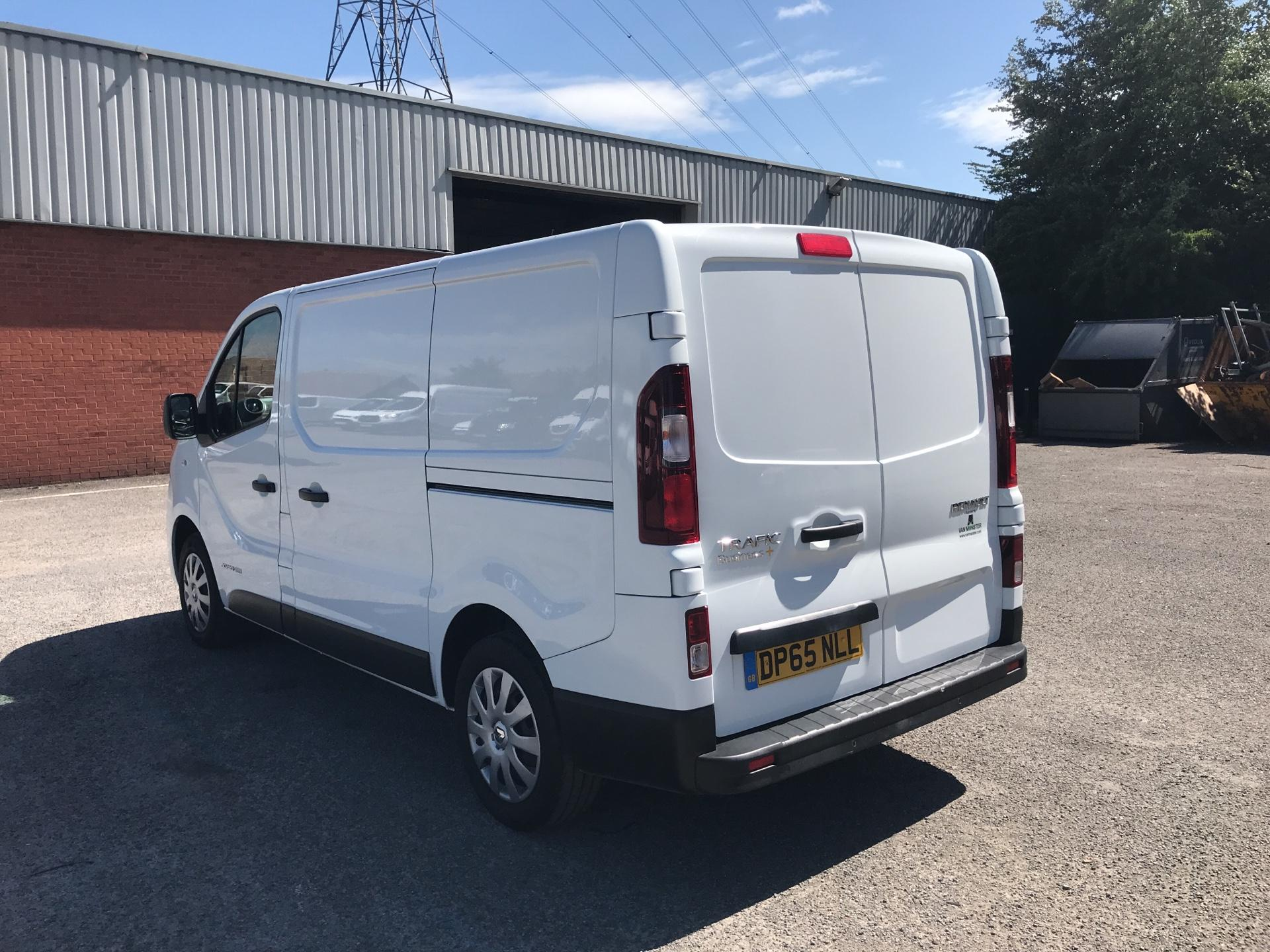 2015 Renault Trafic SWB SL27 ENERGY DCI 120 BUSINESS+ EURO 5 AIR CON (DP65NLL) Image 5