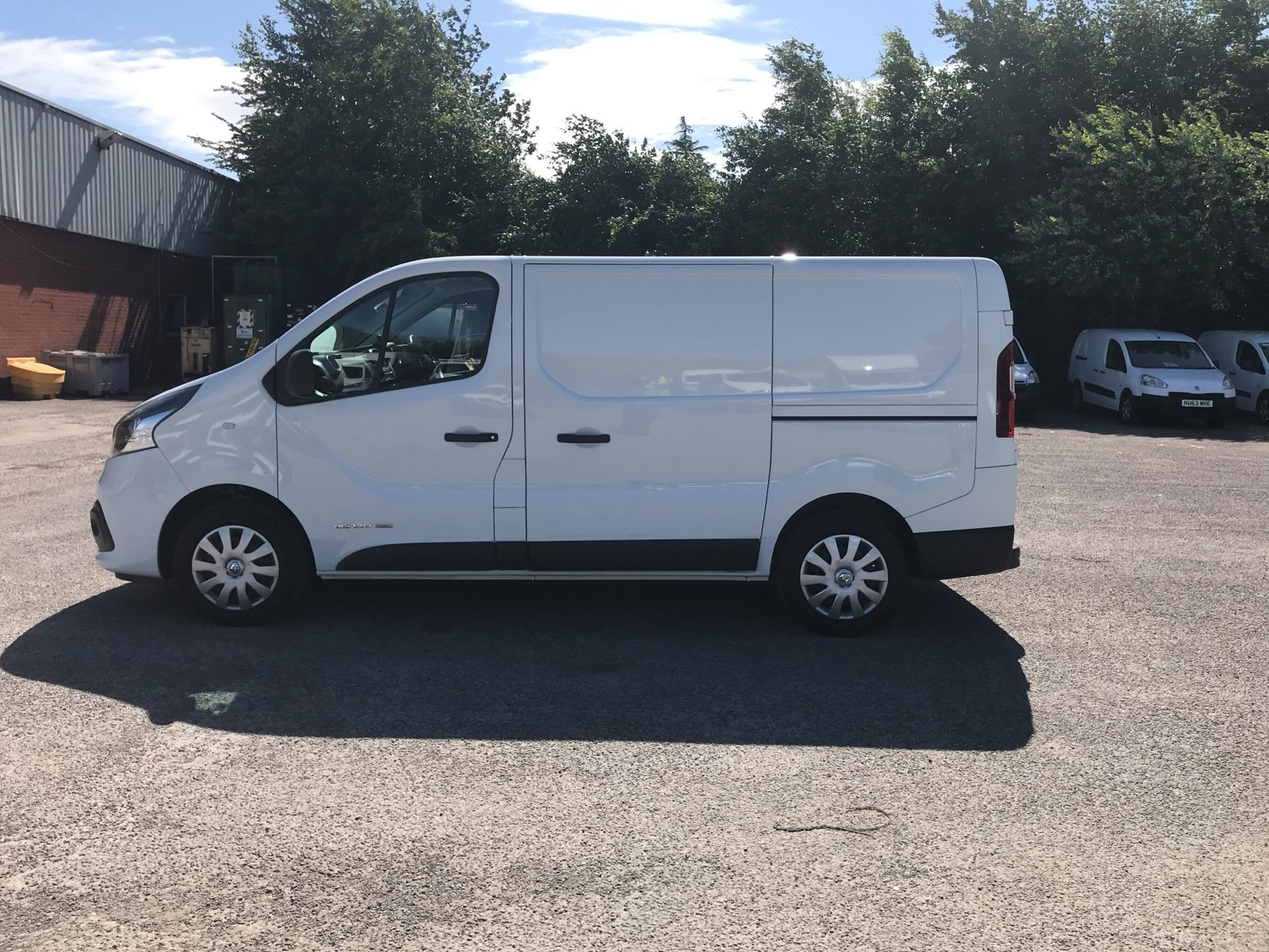 2015 Renault Trafic SWB SL27 ENERGY DCI 120 BUSINESS+ EURO 5 AIR CON (DP65NLL) Image 6