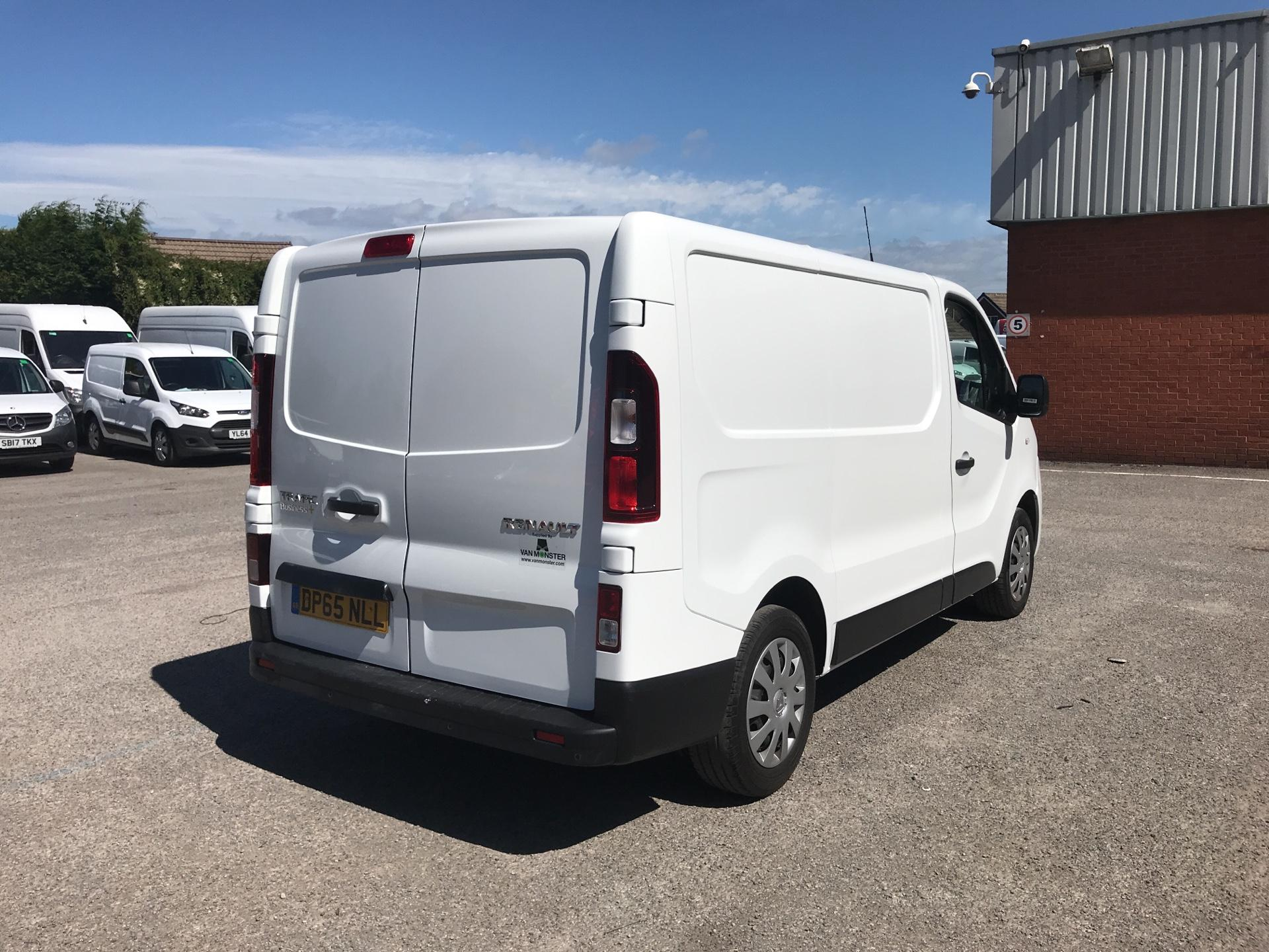 2015 Renault Trafic SWB SL27 ENERGY DCI 120 BUSINESS+ EURO 5 AIR CON (DP65NLL) Image 3