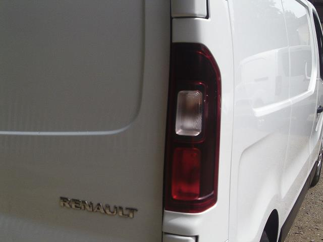2015 Renault Trafic SL27 ENERGY dCi 120 Business+ Van (DP65NSE) Image 13