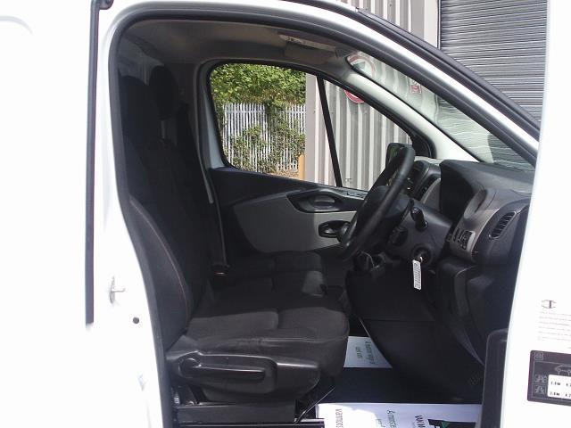 2015 Renault Trafic SL27 ENERGY dCi 120 Business+ Van (DP65NSE) Image 19