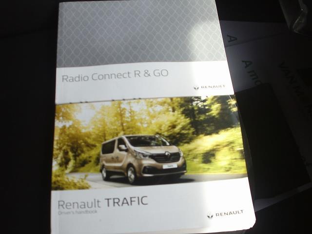 2015 Renault Trafic SL27 ENERGY dCi 120 Business+ Van (DP65NSE) Image 27