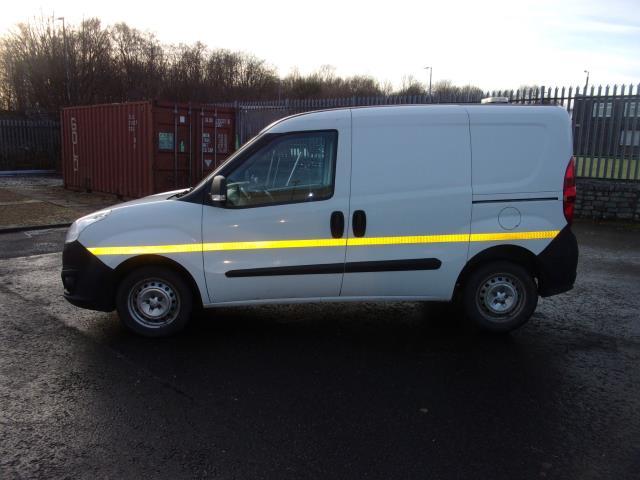2016 Vauxhall Combo 2000 1.3 Cdti 16V H1 Van (DP66YNJ) Image 13