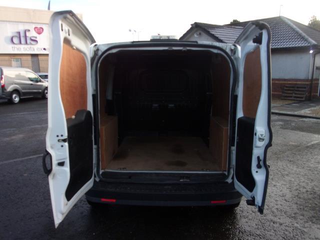 2016 Vauxhall Combo 2000 1.3 Cdti 16V H1 Van (DP66YNJ) Image 18