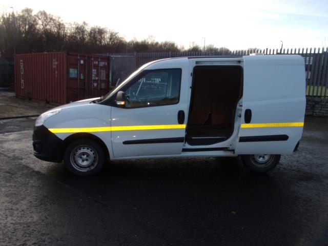 2016 Vauxhall Combo 2000 1.3 Cdti 16V H1 Van (DP66YNJ) Image 21