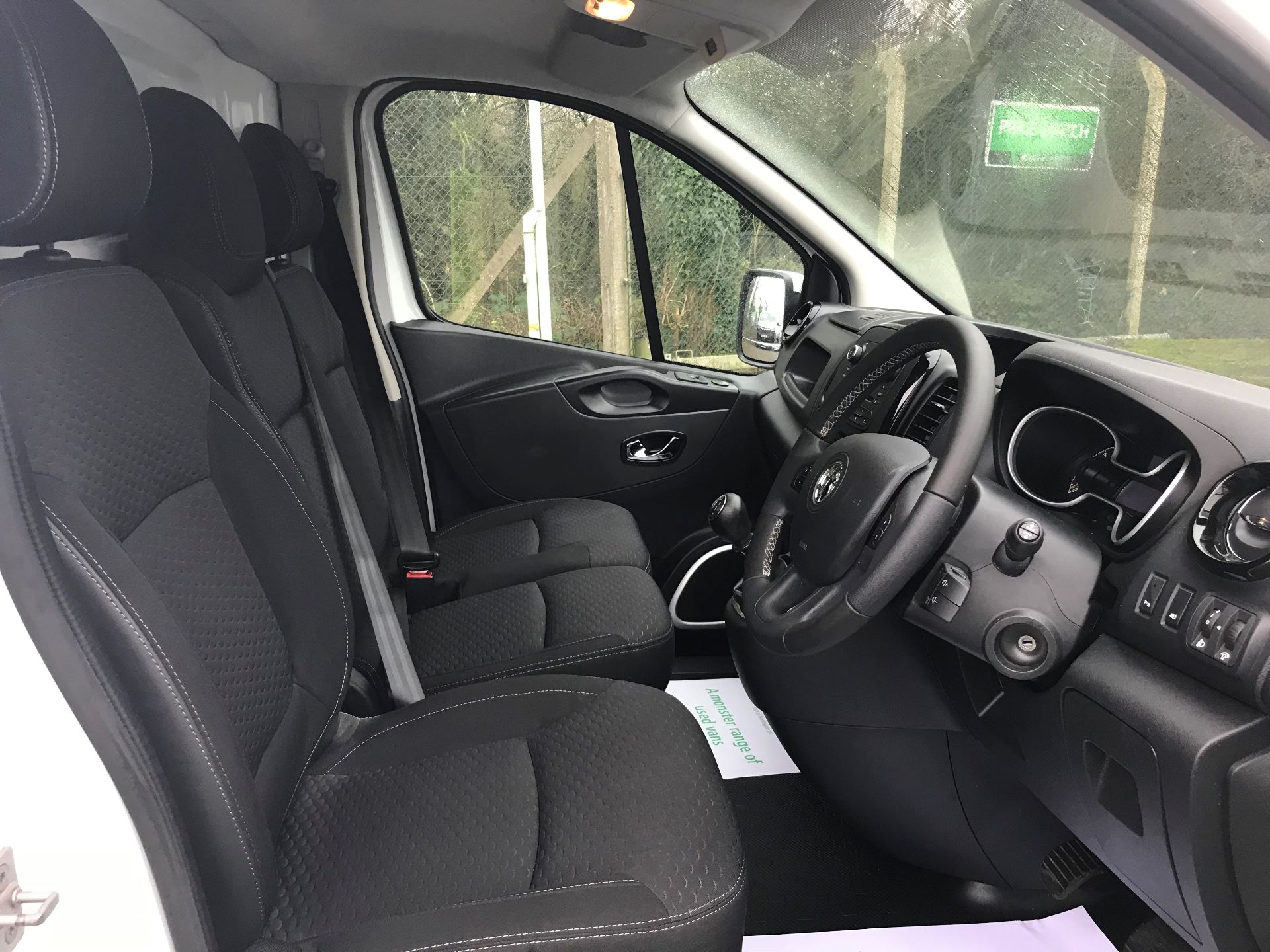 2016 Vauxhall Vivaro 2700 1.6CDTI  BITURBO 120PS ECOFLEX SPORTIVE L1 H1 VAN (DS16MSX) Image 17