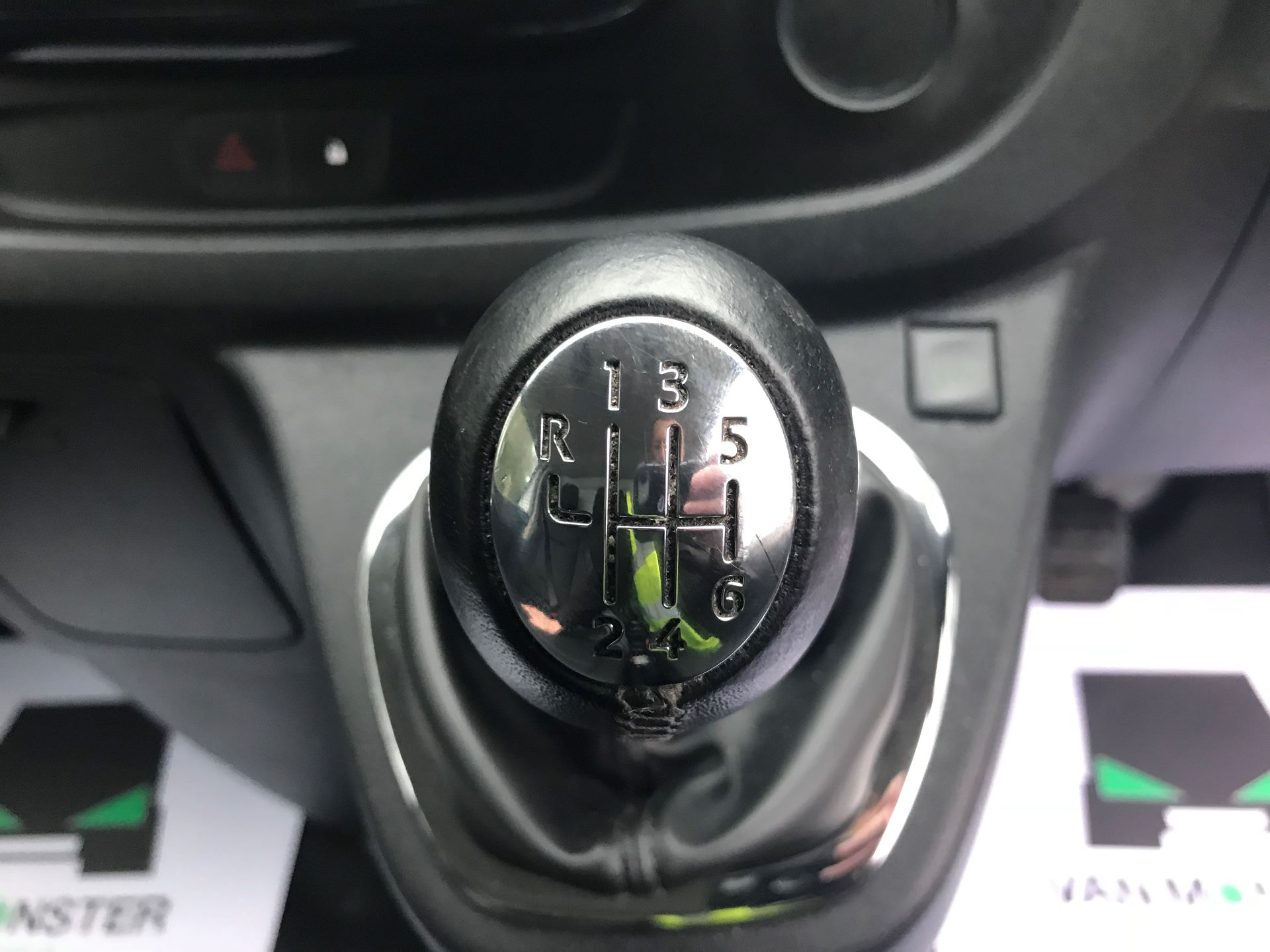 2016 Vauxhall Vivaro 2700 1.6CDTI  BITURBO 120PS ECOFLEX SPORTIVE L1 H1 VAN (DS16MSX) Image 24