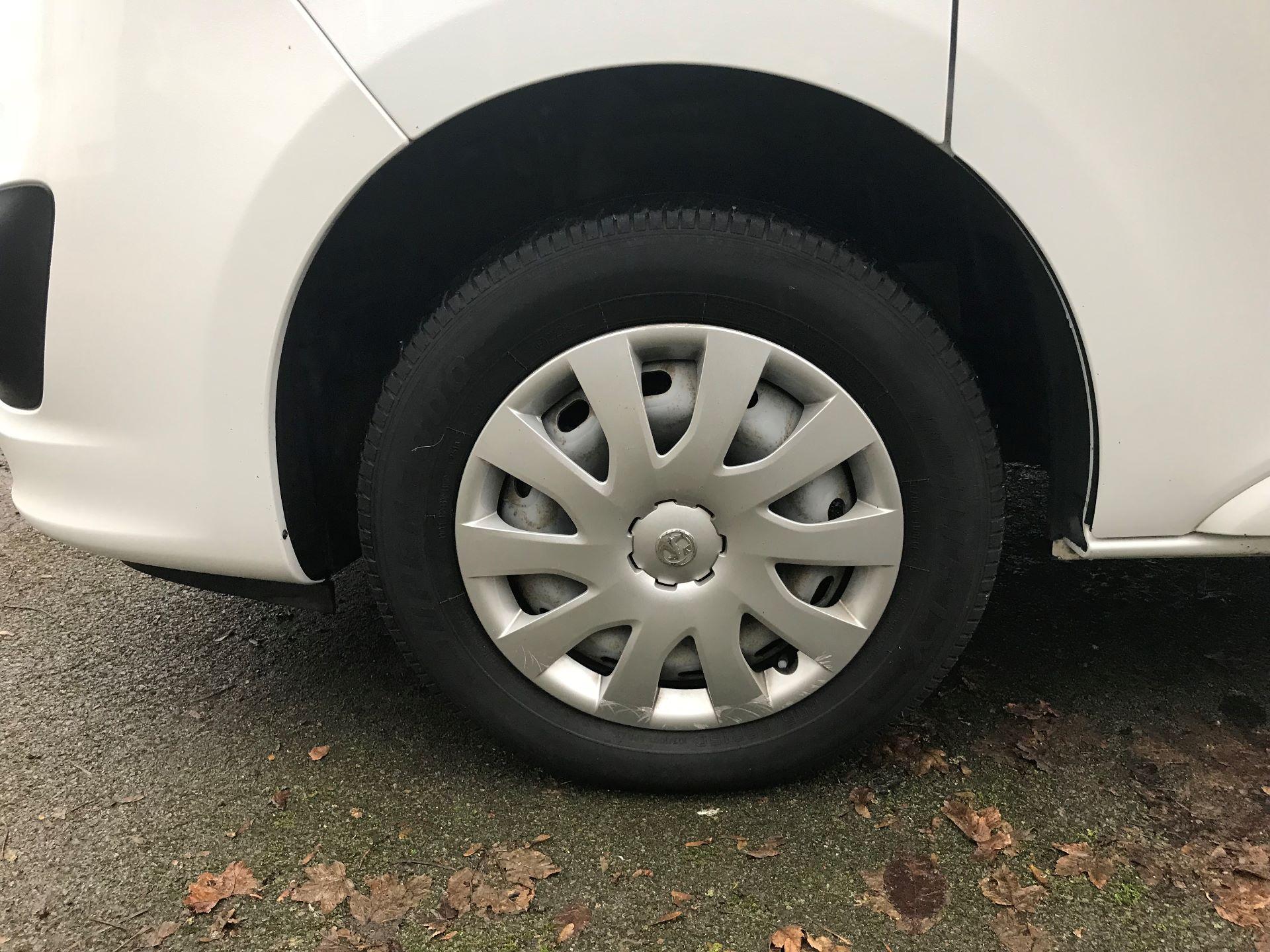 2016 Vauxhall Vivaro 2700 1.6CDTI  BITURBO 120PS ECOFLEX SPORTIVE L1 H1 VAN (DS16MSX) Image 15