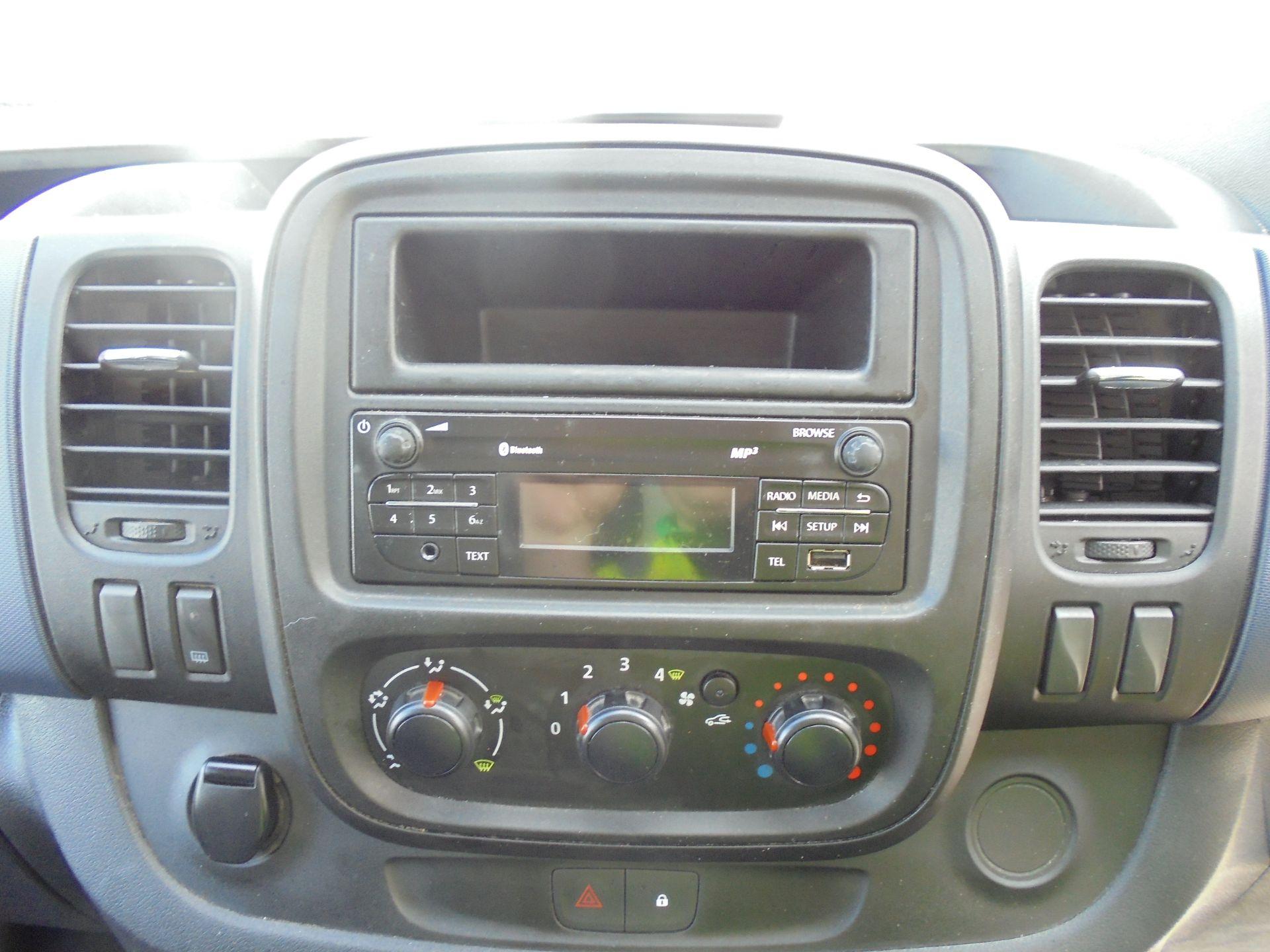 2014 Vauxhall Vivaro 2900 1.6Cdti 115Ps H1 Van (DS64GME) Image 11