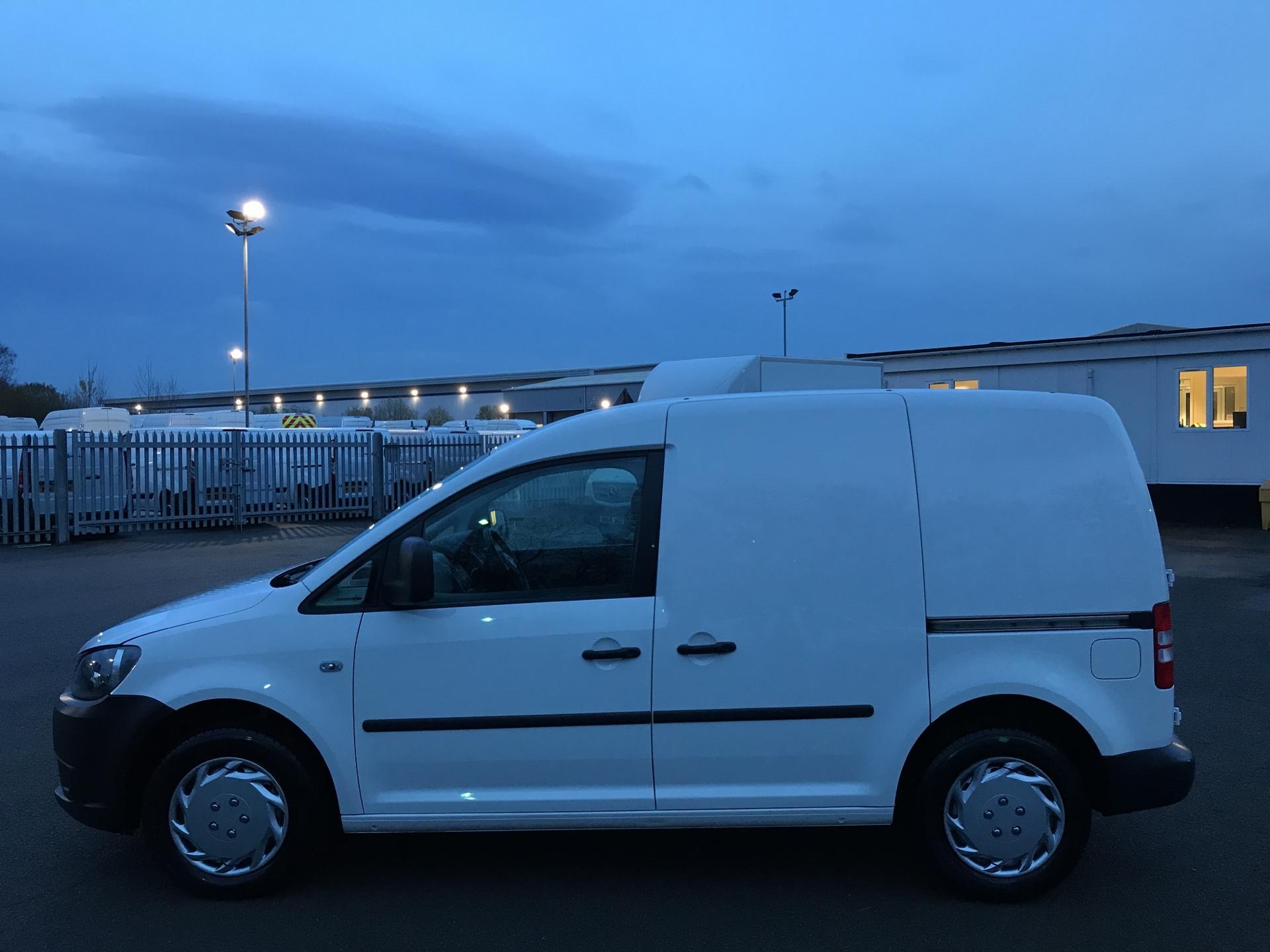 2014 Volkswagen Caddy  1.6 75PS STARTLINE EURO 5 (DS64GXO) Image 6