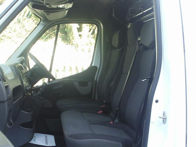 2015 Vauxhall Movano 35 HD L4 DIESEL RWD 2.3 CDTI H3 Van 125ps EURO 5 (DS65AZG) Image 20