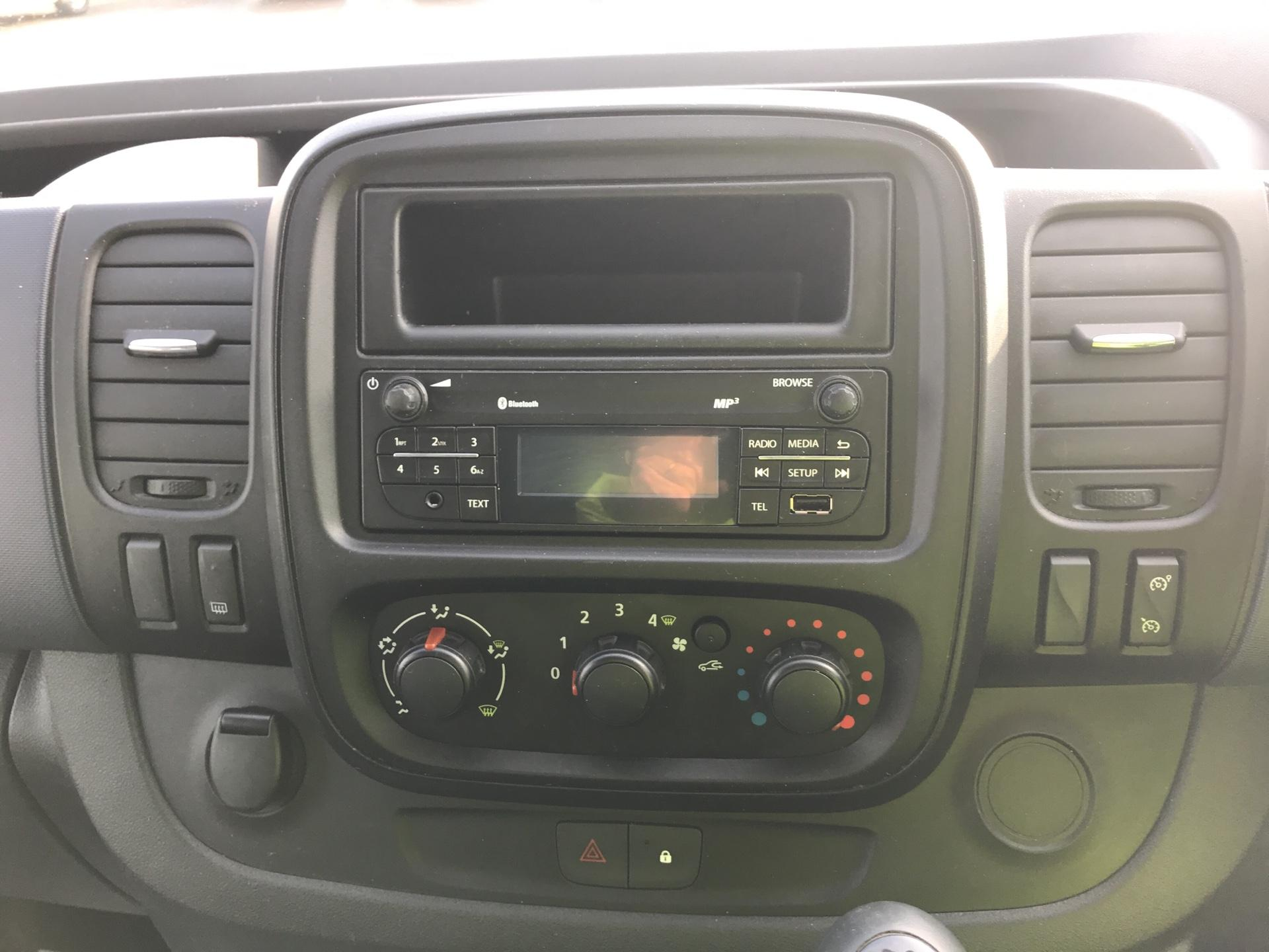 2015 Vauxhall Vivaro 2900 1.6Cdti 115Ps H1 Combi 9 Seat Euro 5 (DS65CZT) Image 10