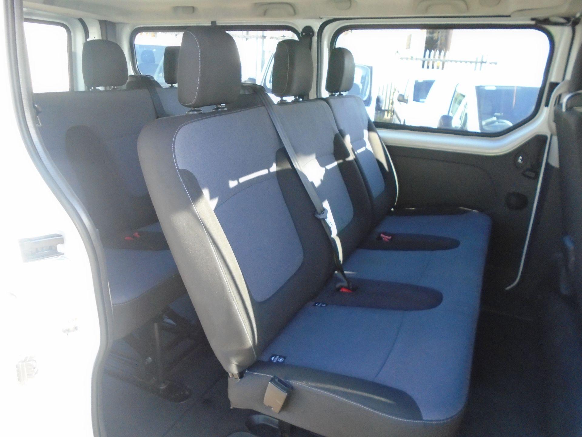 2015 Vauxhall Vivaro 2900 1.6Cdti 115Ps H1 Combi 9 Seat (DS65DRO) Image 16