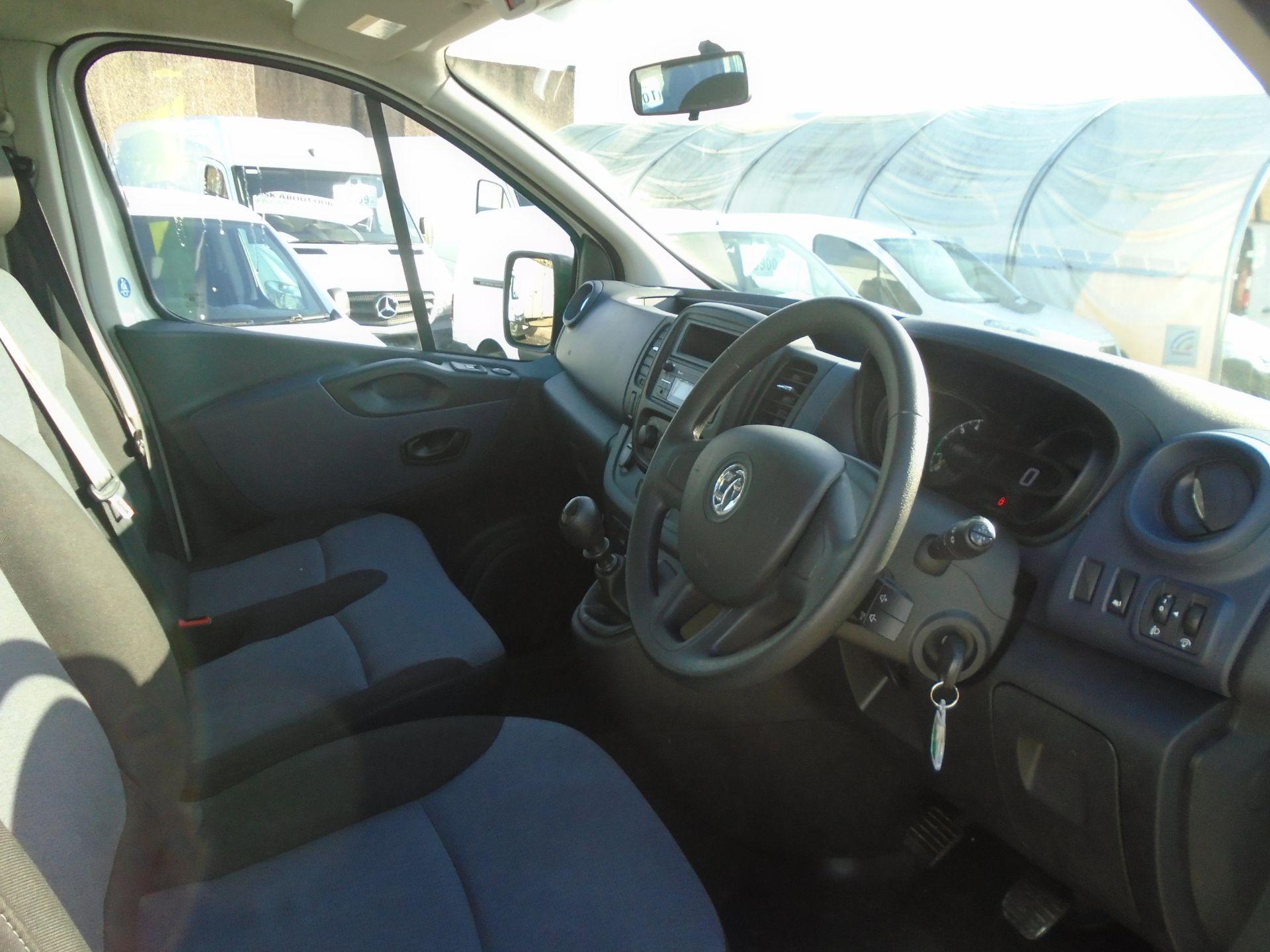 2015 Vauxhall Vivaro 2900 1.6Cdti 115Ps H1 Combi 9 Seat (DS65DRO) Image 19