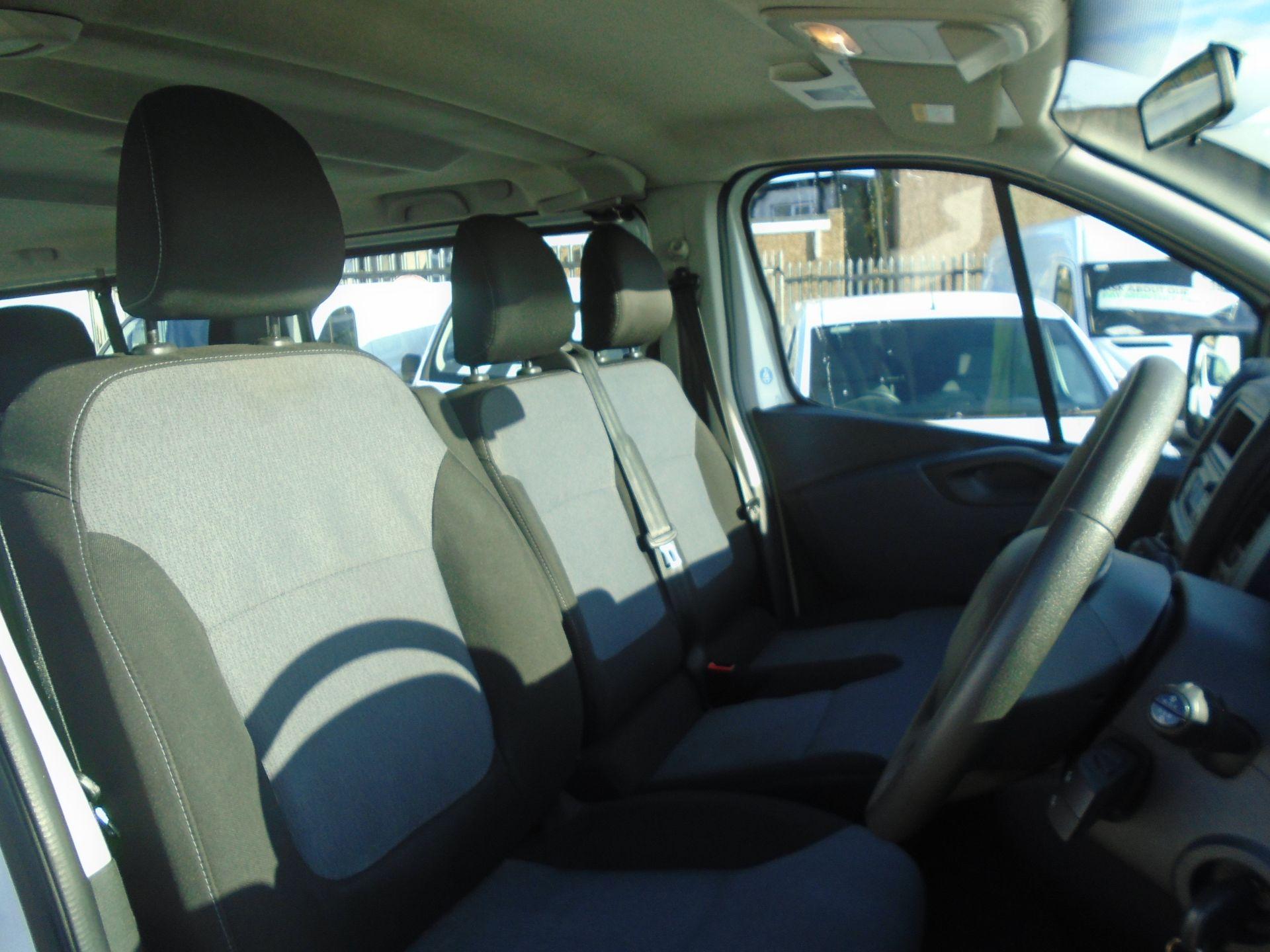 2015 Vauxhall Vivaro 2900 1.6Cdti 115Ps H1 Combi 9 Seat (DS65DRO) Image 20