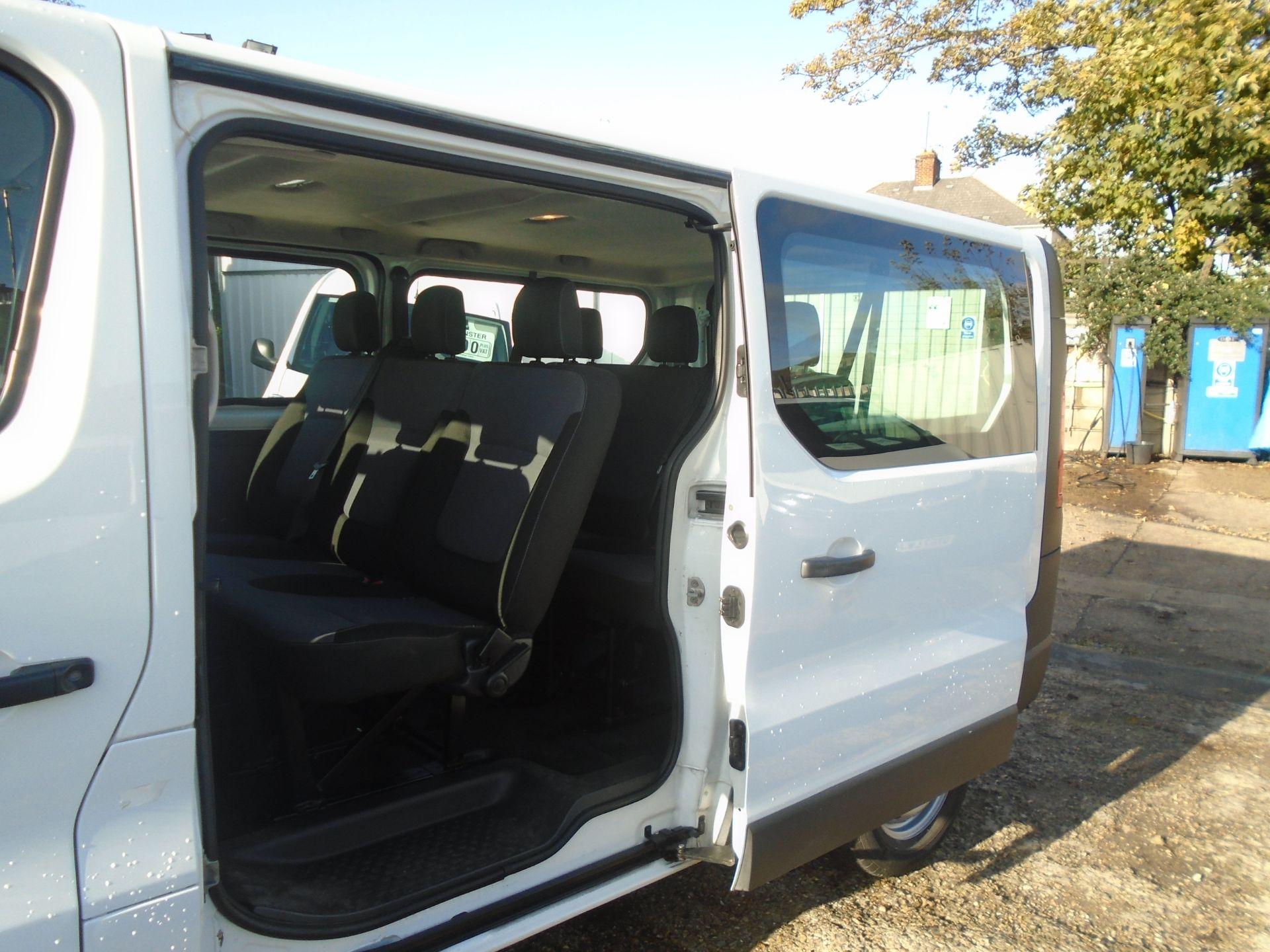 2015 Vauxhall Vivaro 2900 1.6Cdti 115Ps H1 Combi 9 Seat (DS65DRO) Image 5