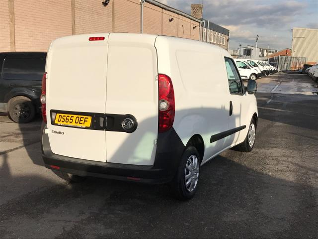 2015 Vauxhall Combo 2000 L1 H1 1.3CDTI 16V EURO 5 (DS65OEF) Image 7
