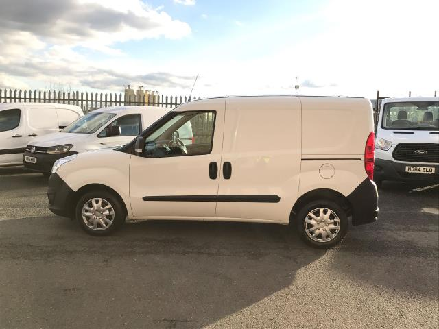 2015 Vauxhall Combo 2000 L1 H1 1.3CDTI 16V EURO 5 (DS65OEF) Image 10