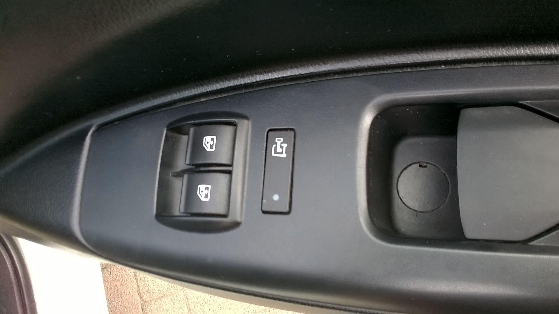 2015 Vauxhall Combo 2000 1.3 Cdti 16V H1 Van Euro 5 (DS65OER) Image 18