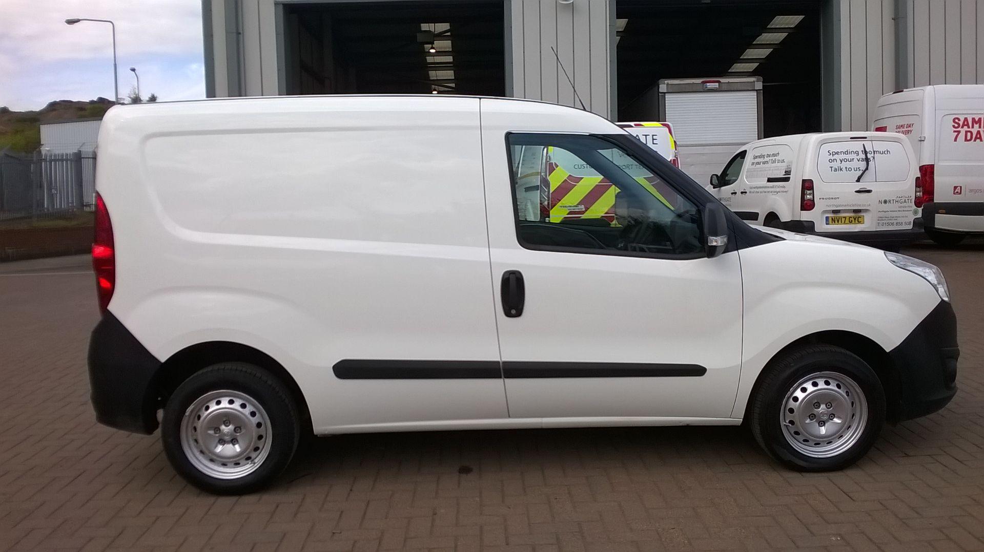 2015 Vauxhall Combo 2000 1.3 Cdti 16V H1 Van Euro 5 (DS65OER) Image 16