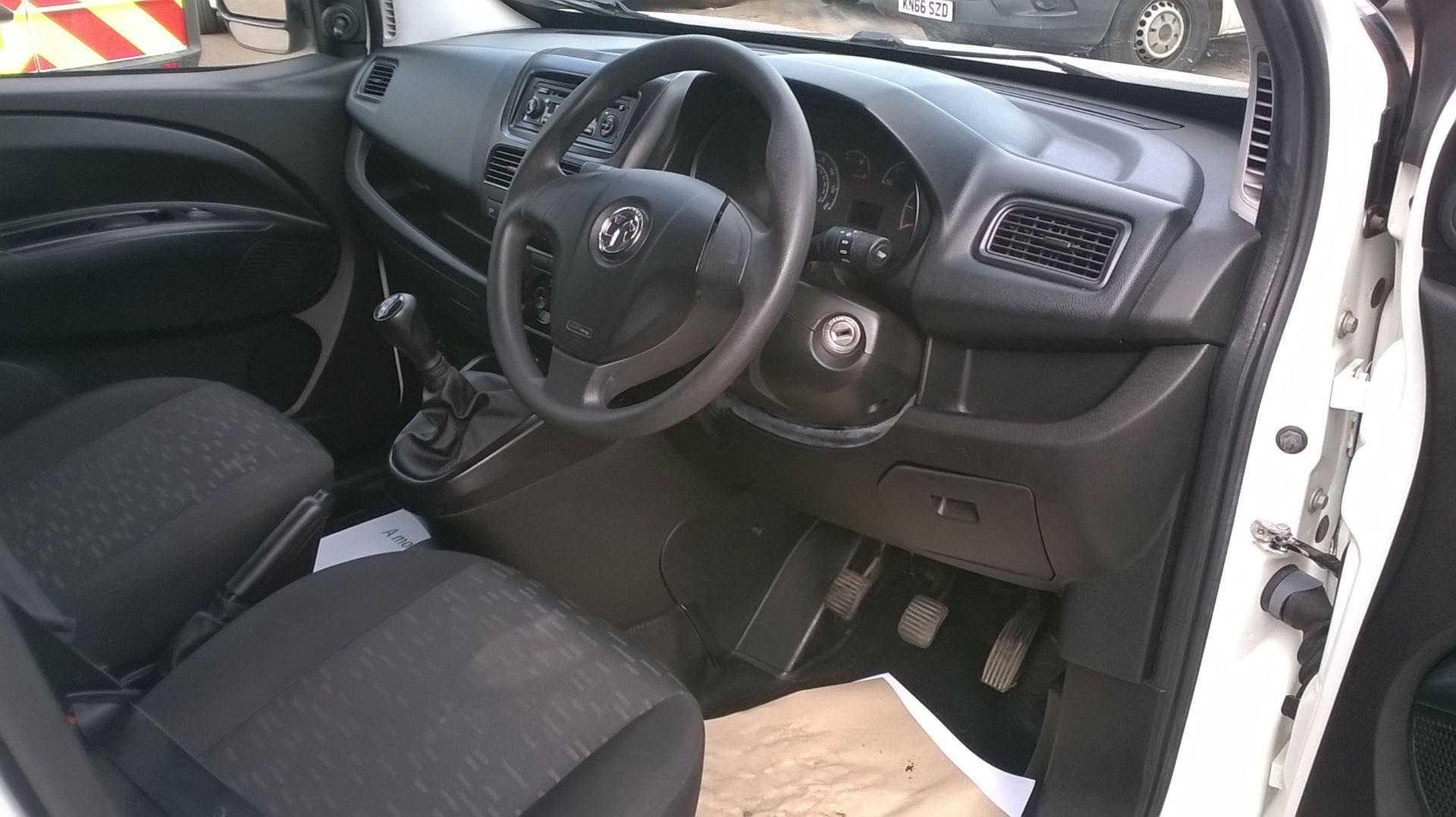 2015 Vauxhall Combo 2000 1.3 Cdti 16V H1 Van Euro 5 (DS65OER) Image 19