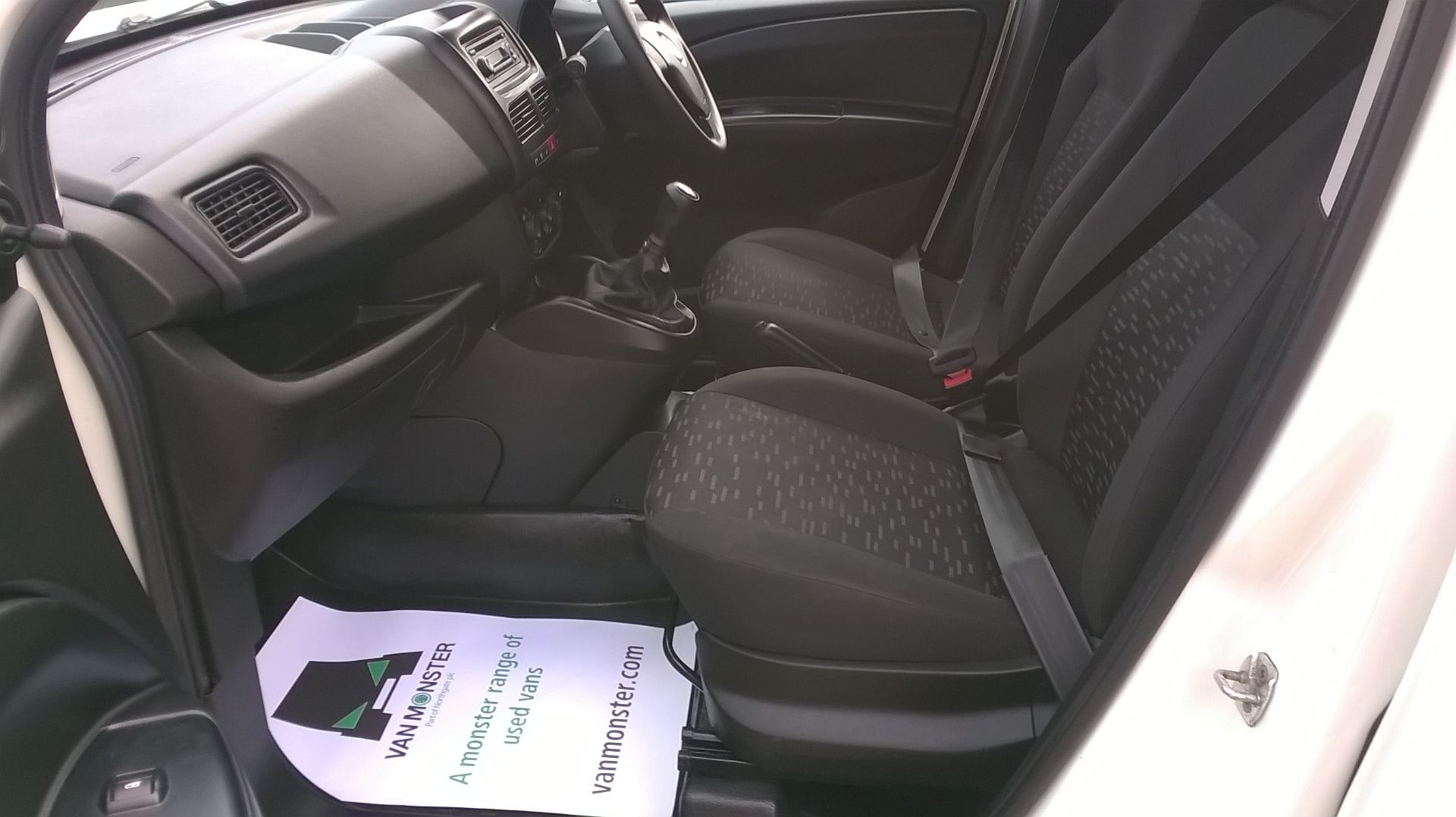 2015 Vauxhall Combo 2000 1.3 Cdti 16V H1 Van Euro 5 (DS65OER) Image 10