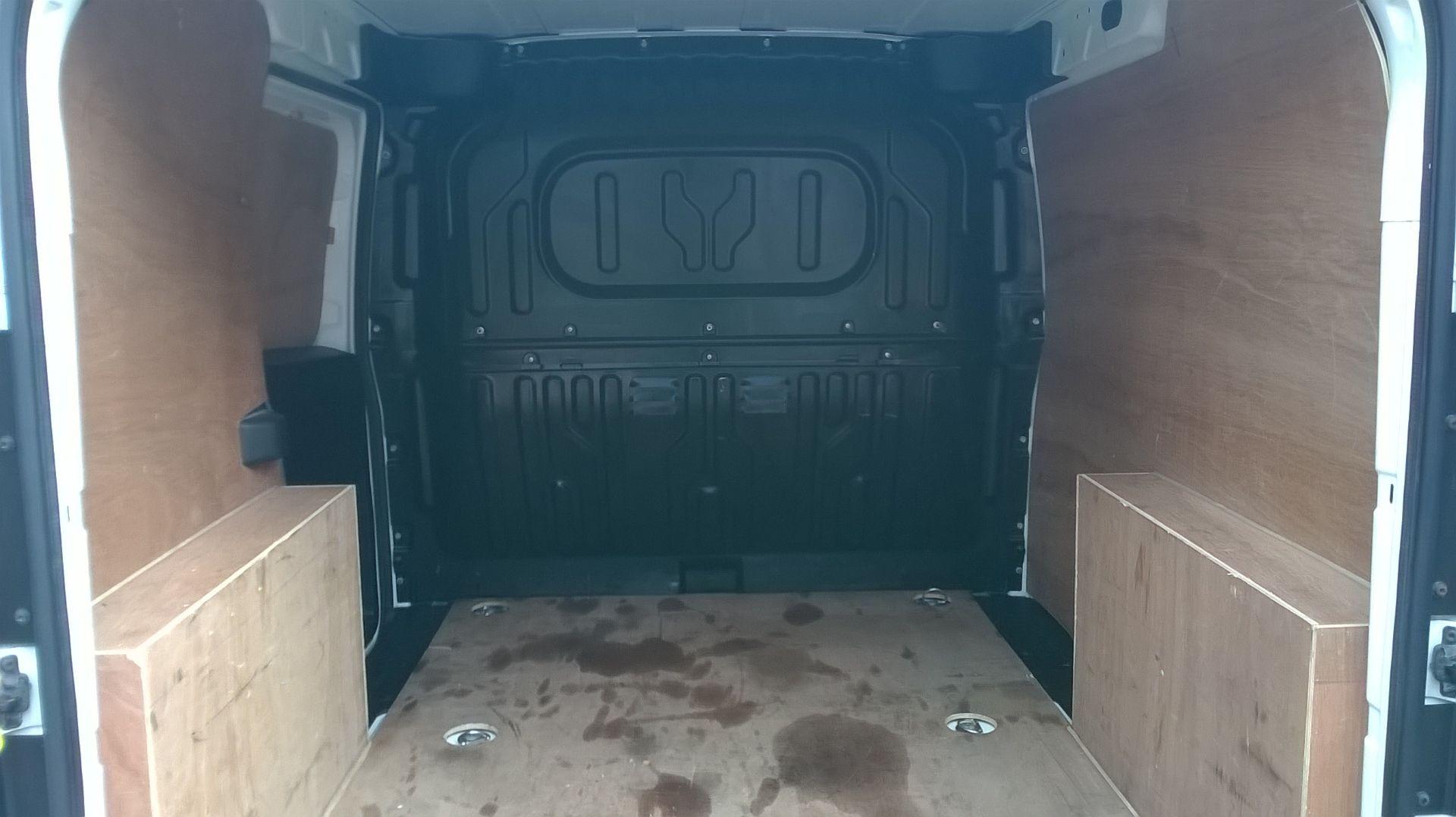 2015 Vauxhall Combo 2000 1.3 Cdti 16V H1 Van Euro 5 (DS65OER) Image 14