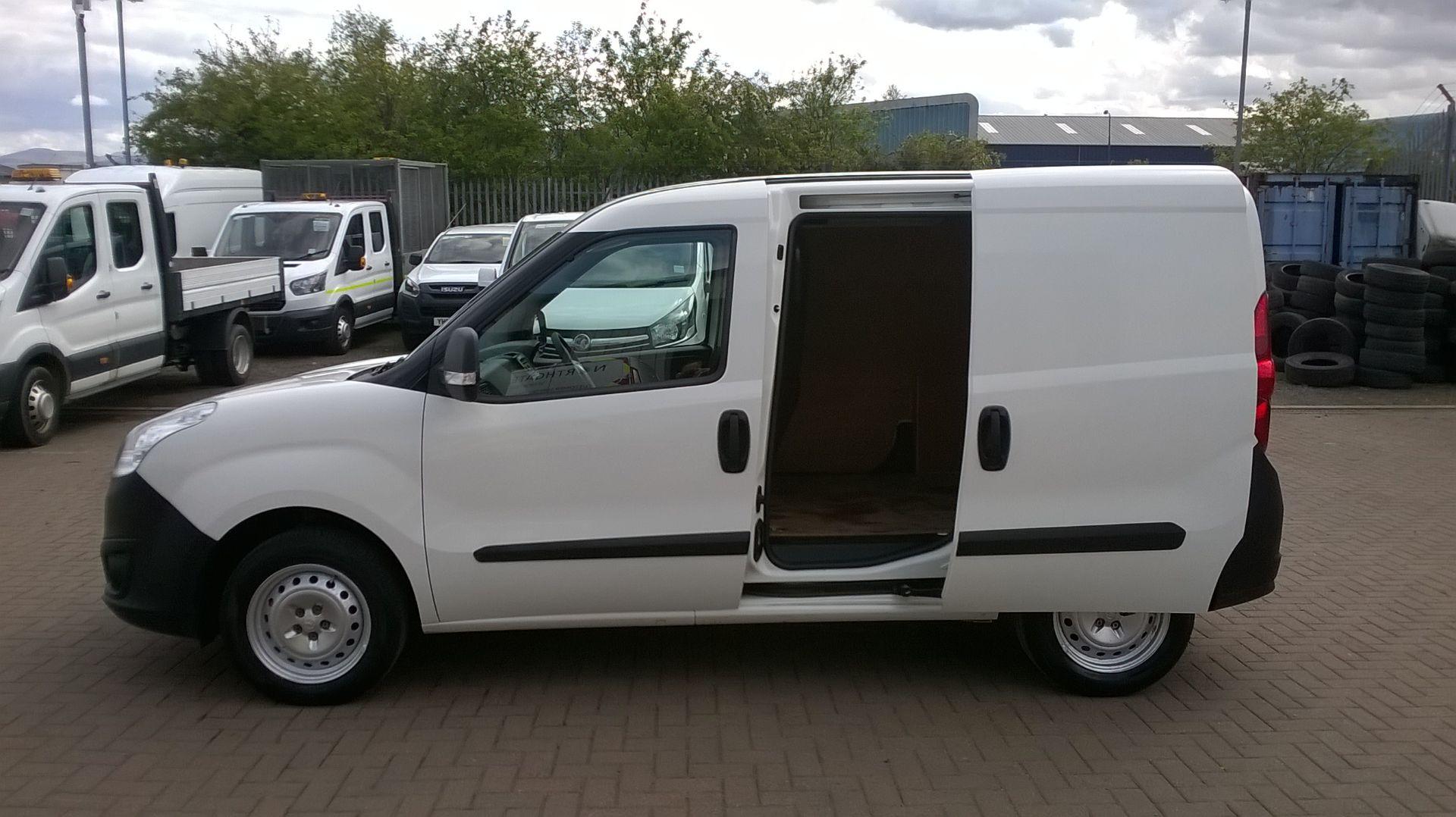 2015 Vauxhall Combo 2000 1.3 Cdti 16V H1 Van Euro 5 (DS65OER) Image 8