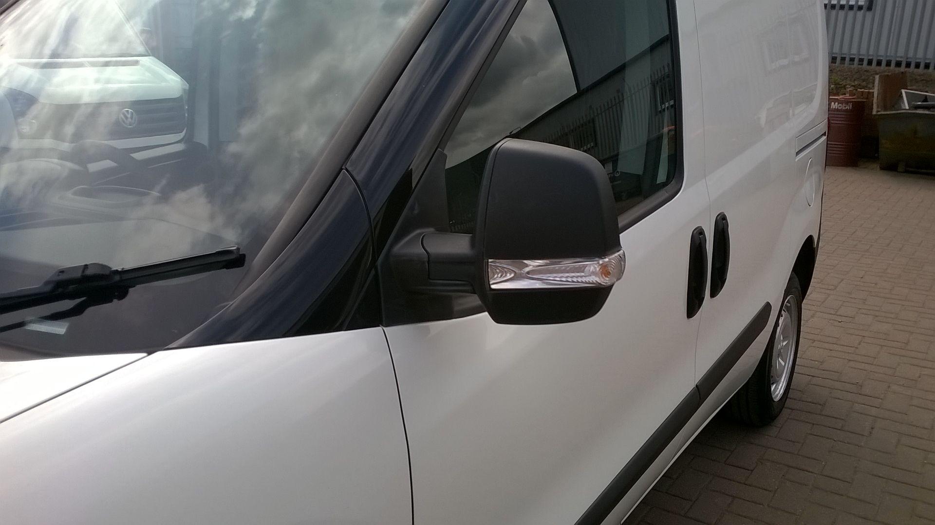 2015 Vauxhall Combo 2000 1.3 Cdti 16V H1 Van Euro 5 (DS65OER) Image 5