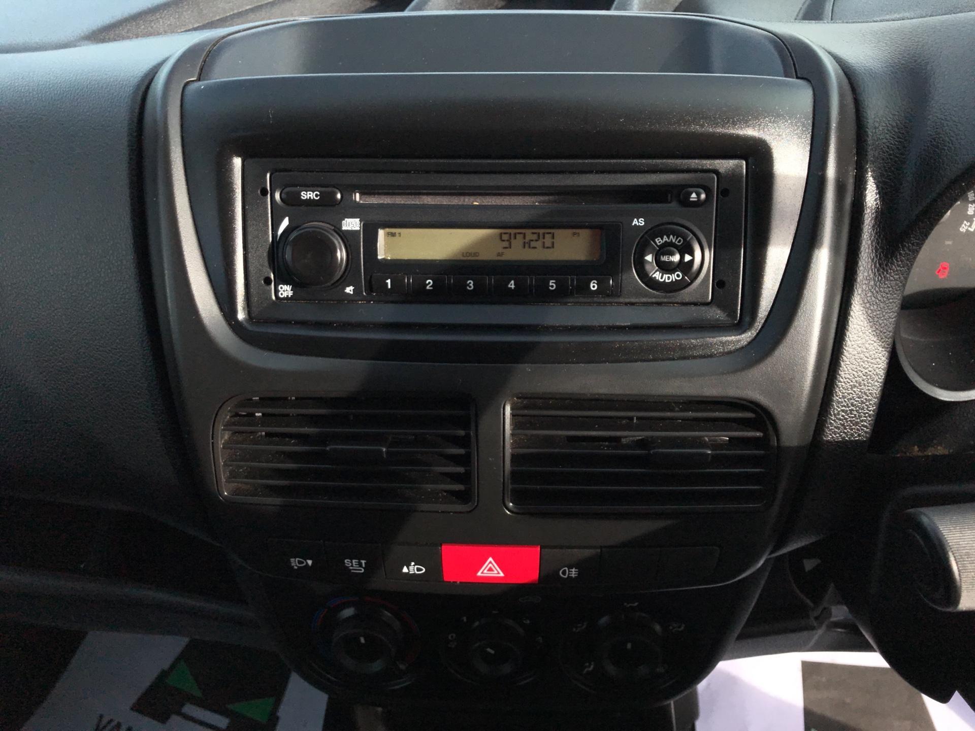 2015 Vauxhall Combo  L1 H1 2000 1.3 16V  EURO 5 (DS65OHE) Image 10