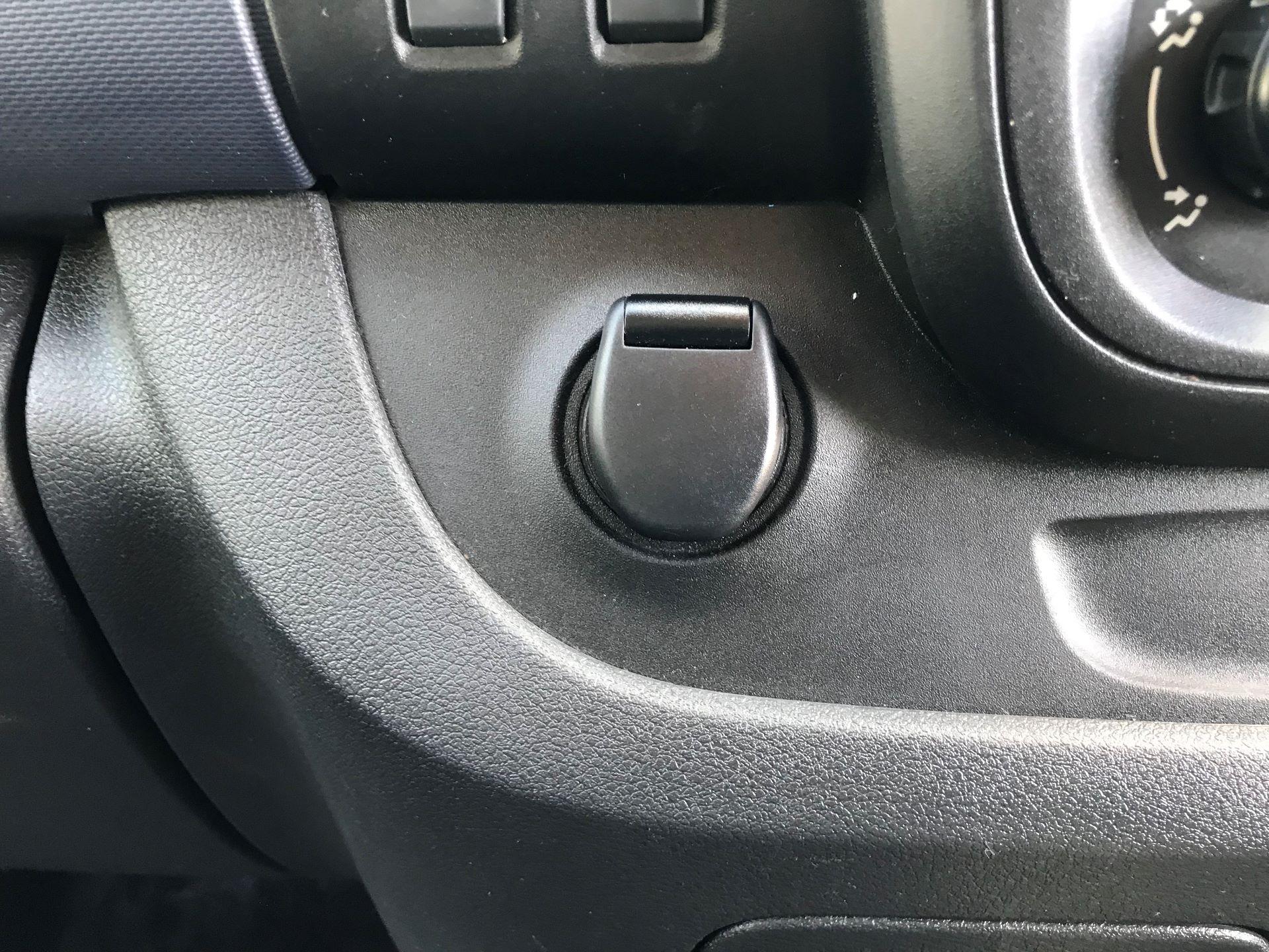 2015 Vauxhall Vivaro  L1 H1 2900 1.6 BITURBO 120PS ECOFLEX COMBI 9 SEAT EURO 5 (DS65OHR) Image 18
