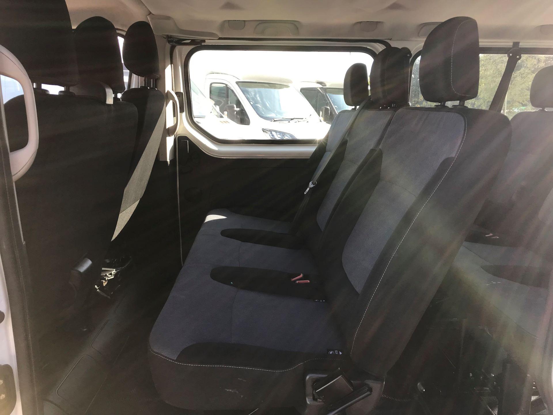 2015 Vauxhall Vivaro  L1 H1 2900 1.6 BITURBO 120PS ECOFLEX COMBI 9 SEAT EURO 5 (DS65OHR) Image 11