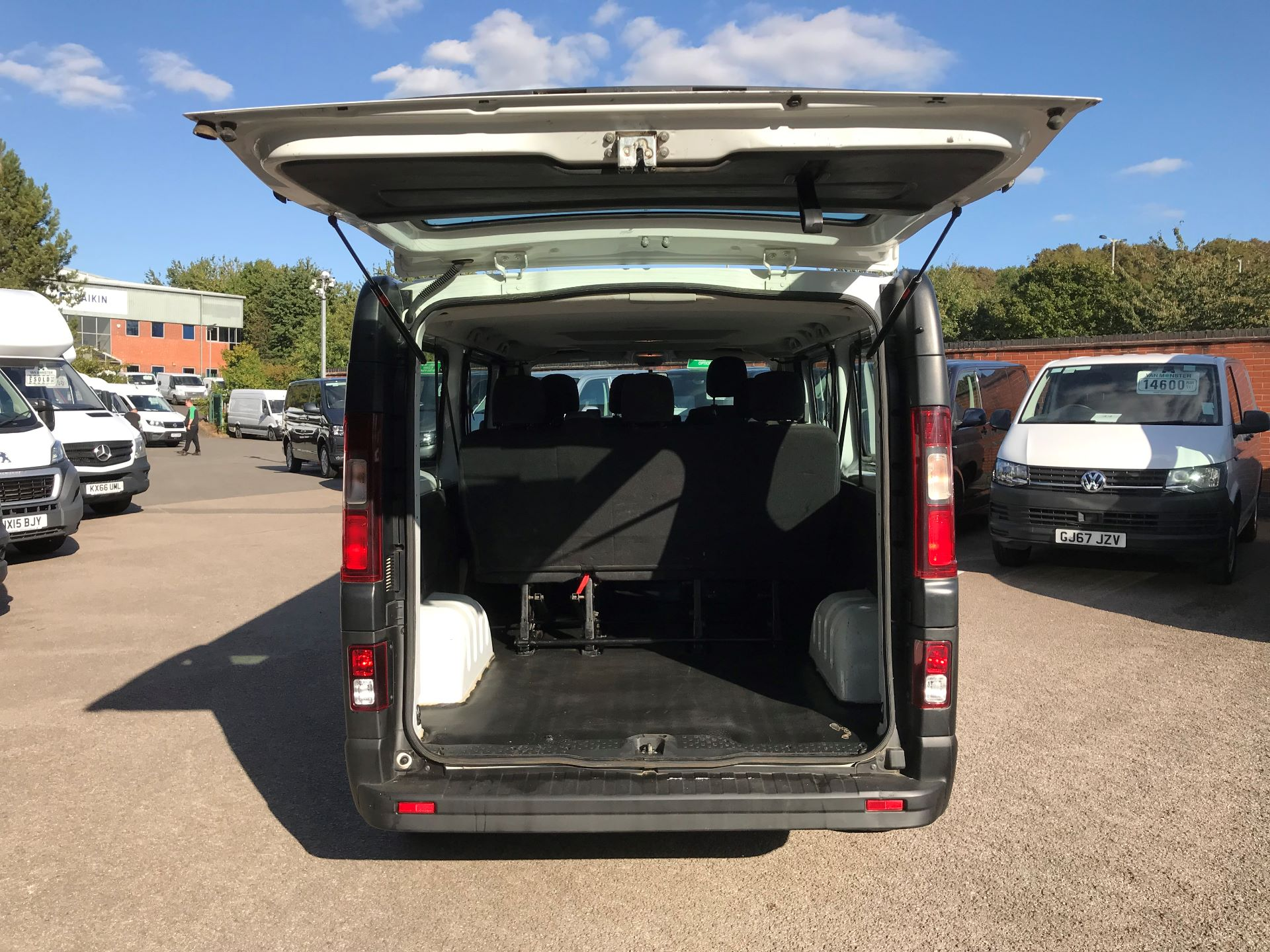 2015 Vauxhall Vivaro  L1 H1 2900 1.6 BITURBO 120PS ECOFLEX COMBI 9 SEAT EURO 5 (DS65OHR) Image 8