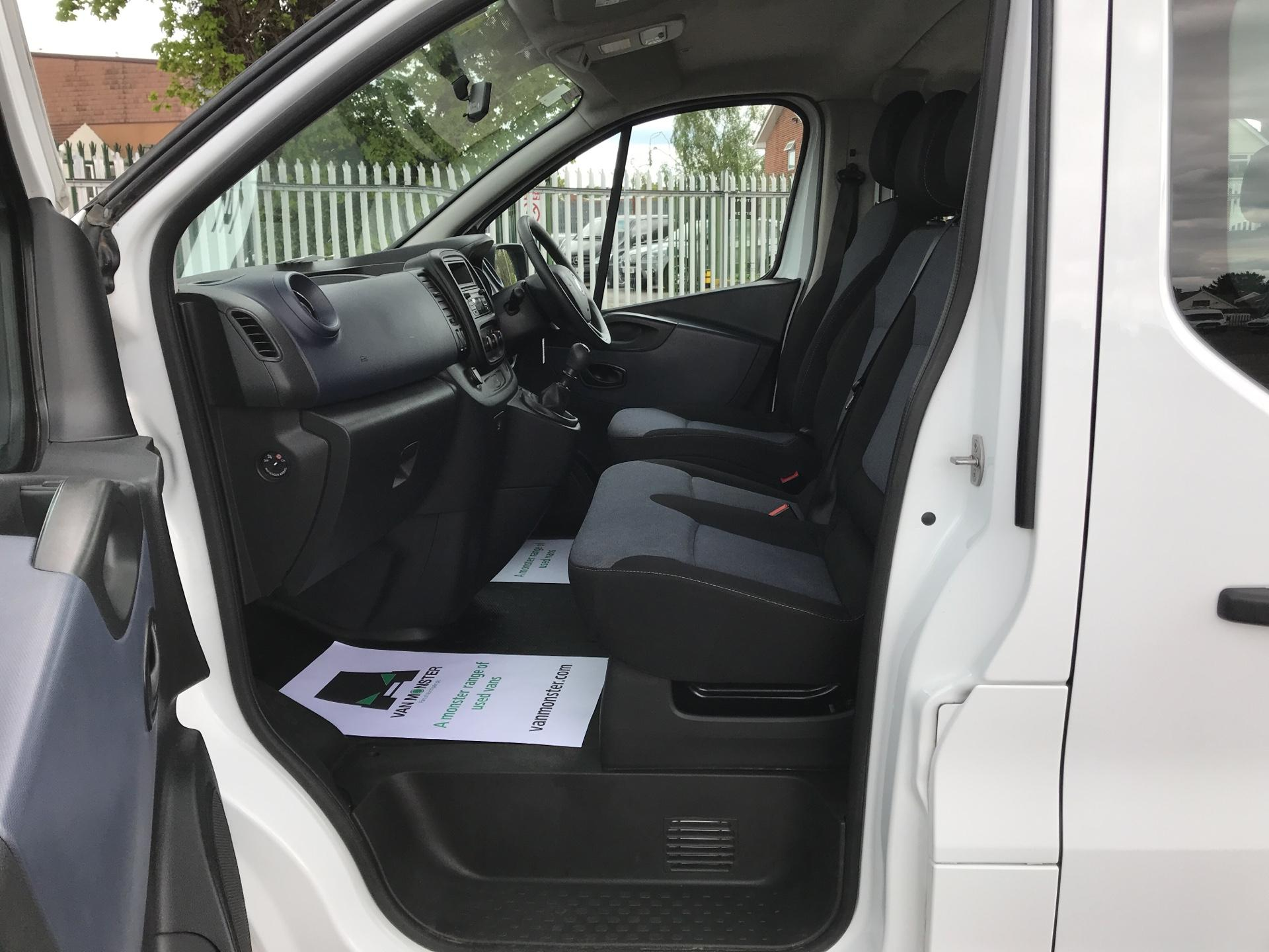 2015 Vauxhall Vivaro  L2 H1 2900 1.6 115PS Combi 9 seater Euro 5 (DS65OMC) Image 14