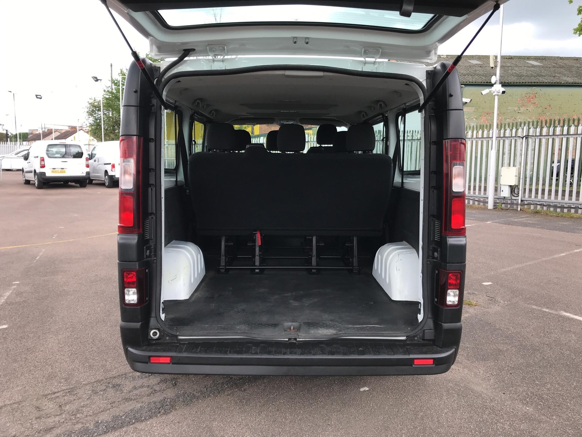 2015 Vauxhall Vivaro  L2 H1 2900 1.6 115PS Combi 9 seater Euro 5 (DS65OMC) Image 17