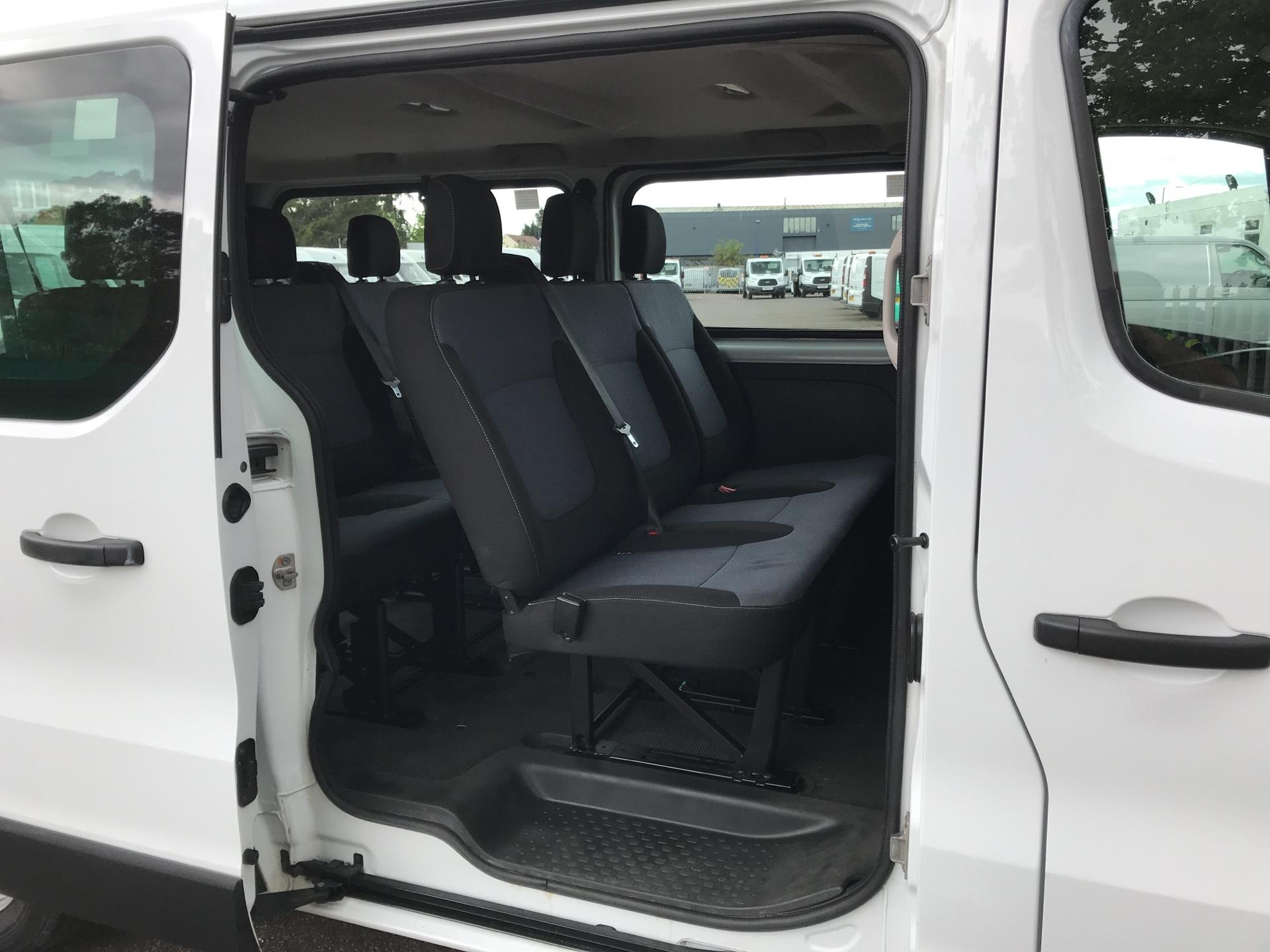 2015 Vauxhall Vivaro  L2 H1 2900 1.6 115PS Combi 9 seater Euro 5 (DS65OMC) Image 16