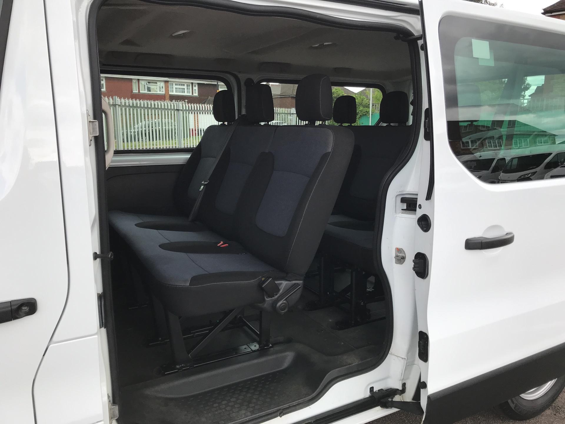 2015 Vauxhall Vivaro  L2 H1 2900 1.6 115PS Combi 9 seater Euro 5 (DS65OMC) Image 15