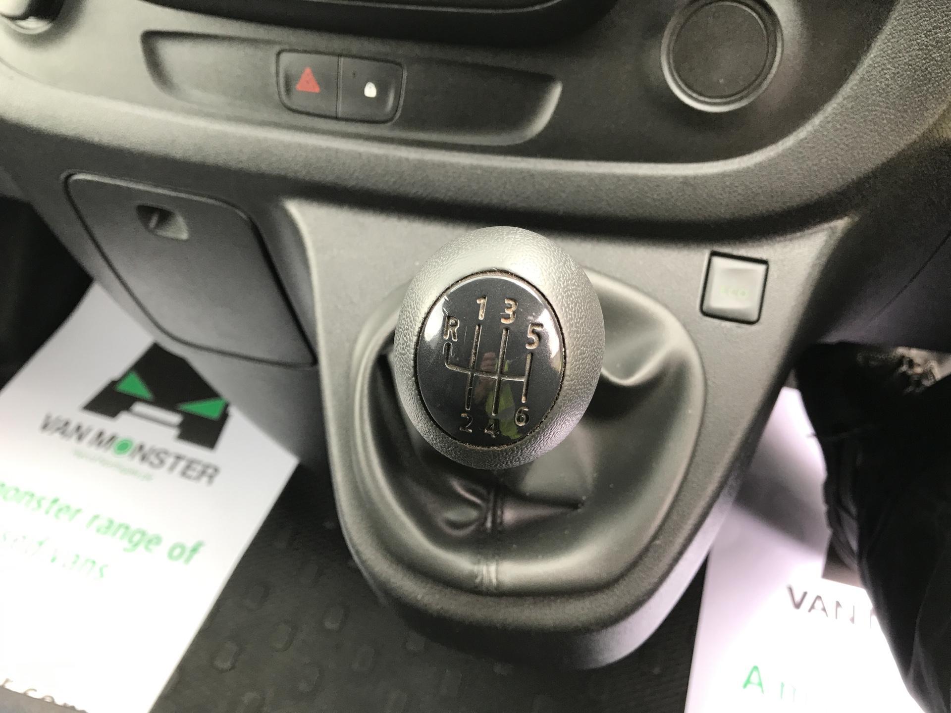 2015 Vauxhall Vivaro  L2 H1 2900 1.6 115PS Combi 9 seater Euro 5 (DS65OMC) Image 11