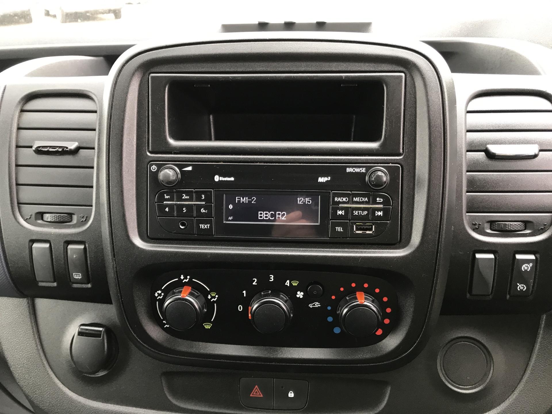 2015 Vauxhall Vivaro  L2 H1 2900 1.6 115PS Combi 9 seater Euro 5 (DS65OMC) Image 10