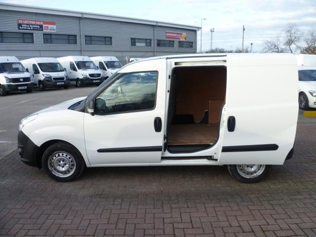 2015 Vauxhall Combo  L1 H1 2000 1.3 16V  EURO 5 (DS65OMM) Image 10