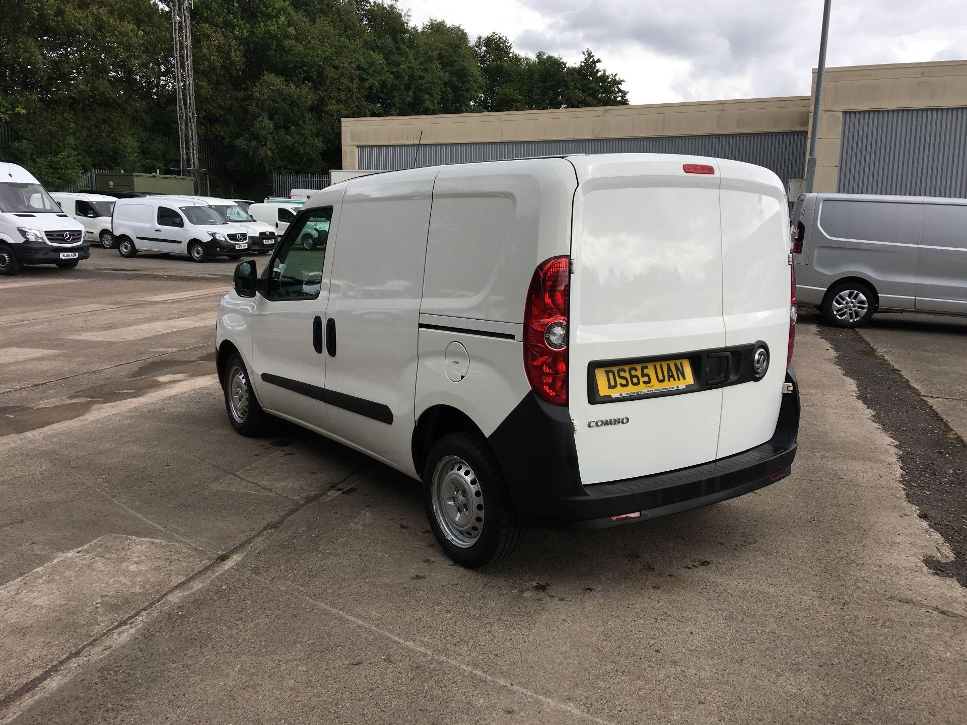 2015 Vauxhall Combo L1 H1 2000 1.3 CDTI 16V EURO 5 (DS65UAN) Image 12