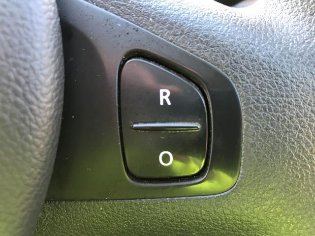 2015 Vauxhall Vivaro 2900 L2 H1 1.6CDTI 115PS 9 SEAT MINIBUS EURO 5 (DS65UBA) Image 24