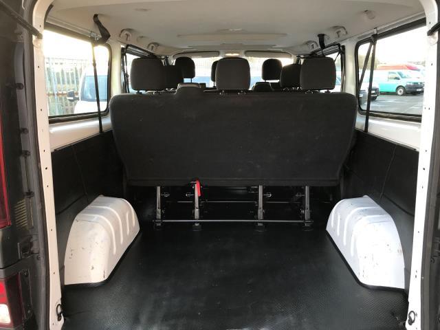 2015 Vauxhall Vivaro 2900 L2 H1 1.6CDTI 115PS 9 SEAT MINIBUS EURO 5 (DS65UBA) Image 18