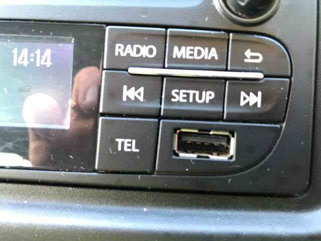 2015 Vauxhall Vivaro 2900 L2 H1 1.6CDTI 115PS 9 SEAT MINIBUS EURO 5 (DS65UBA) Image 22