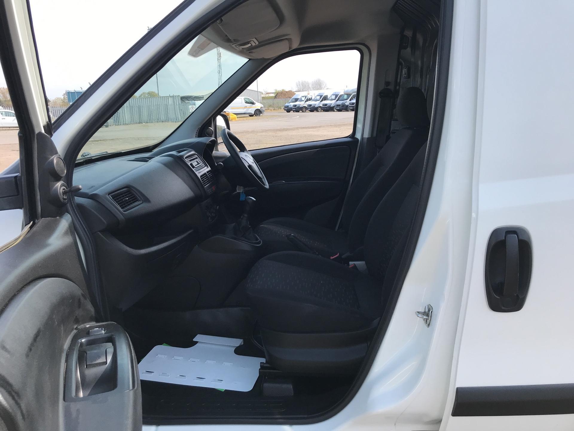 2015 Vauxhall Combo  L1 H1 2000 1.3 16V  EURO 5 (DS65UCM) Image 14