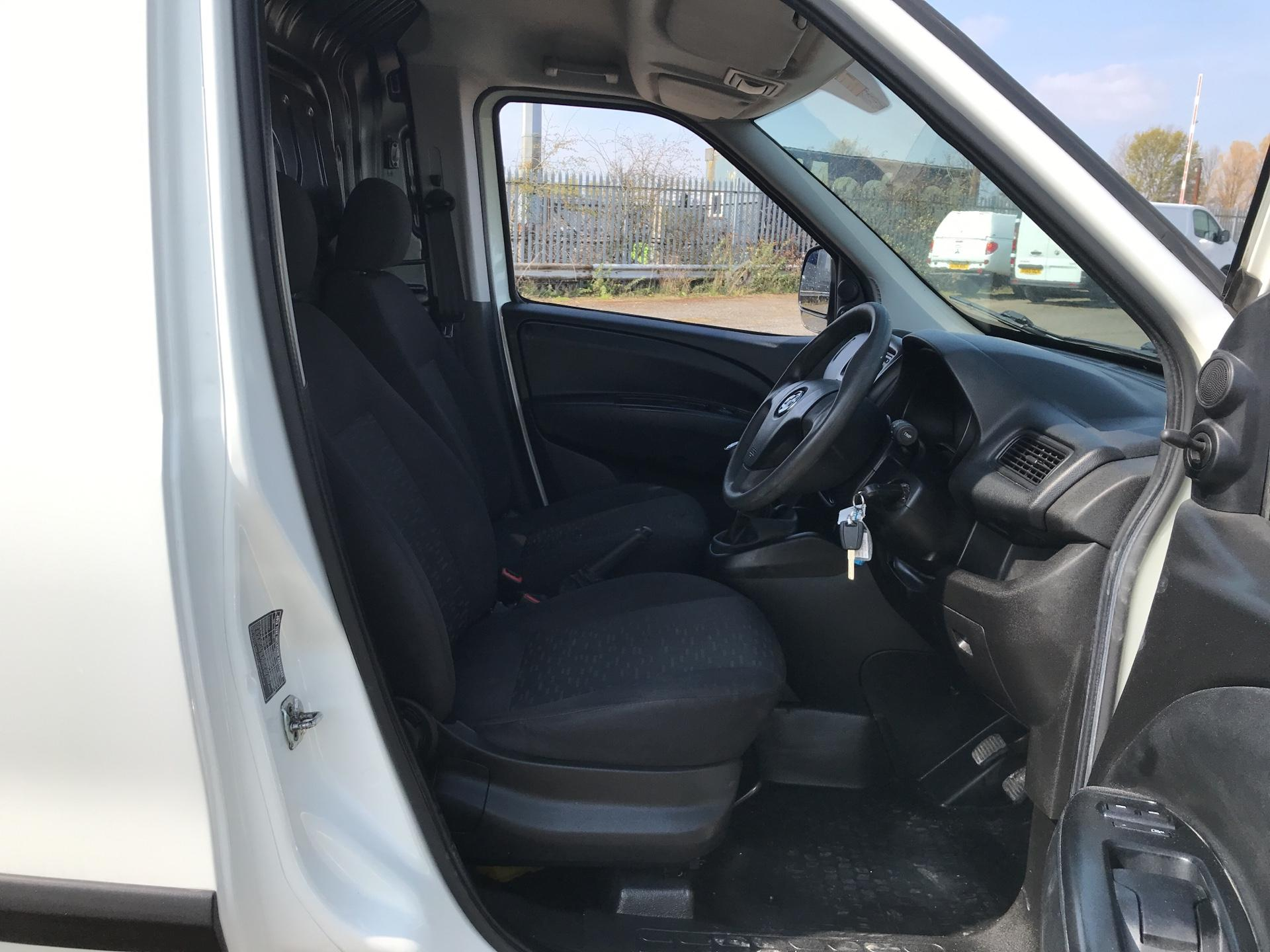 2015 Vauxhall Combo  L1 H1 2000 1.3 16V  EURO 5 (DS65UCM) Image 9
