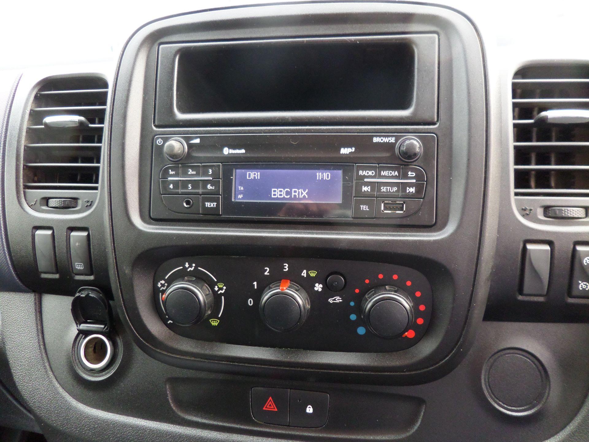 2015 Vauxhall Vivaro 2900 1.6Cdti 115Ps H1 Combi 9 Seat Mini Bus Euro 5 (DS65UEP) Image 15