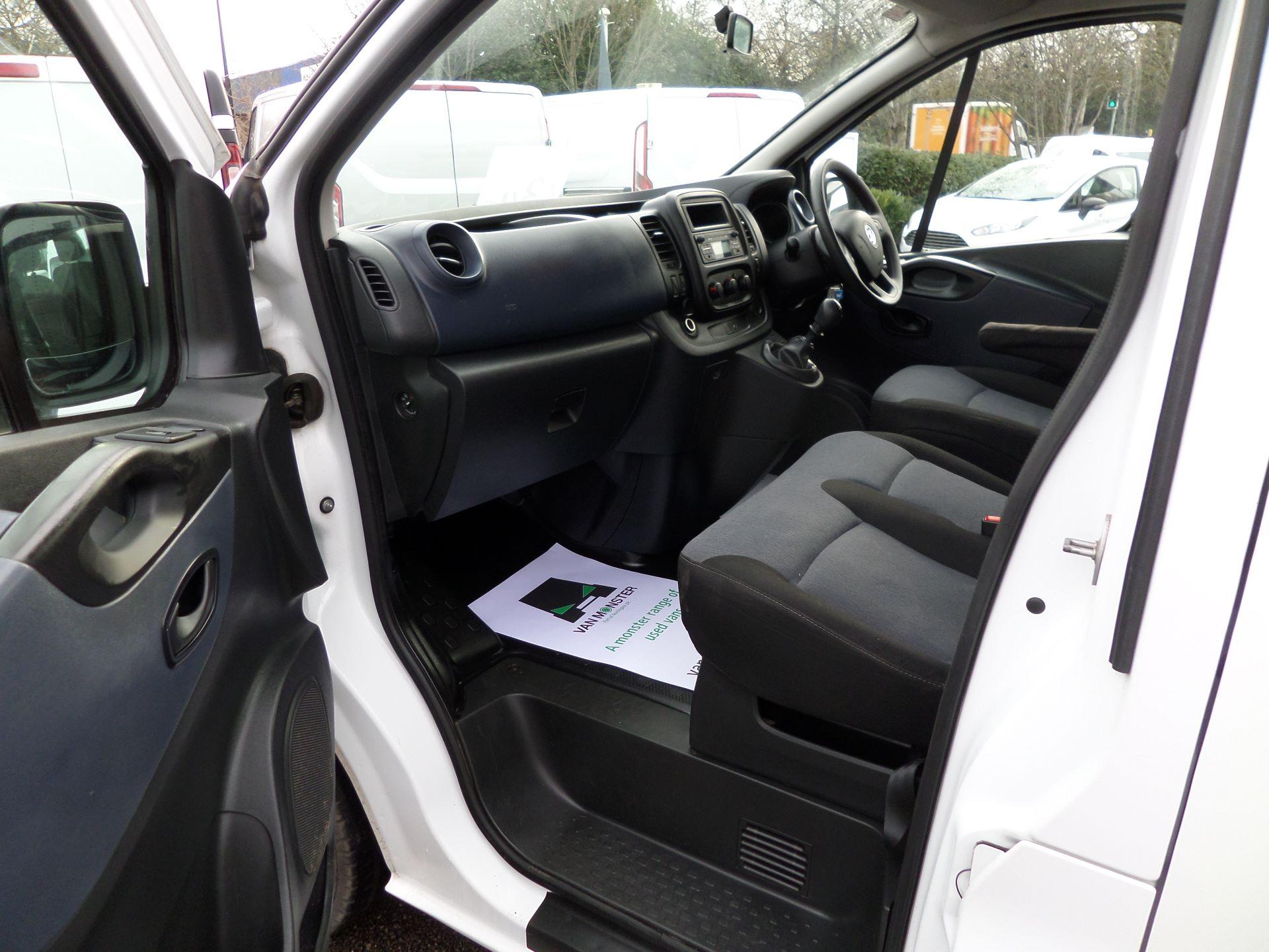 2015 Vauxhall Vivaro 2900 1.6Cdti 115Ps H1 Combi 9 Seat Mini Bus Euro 5 (DS65UEP) Image 11